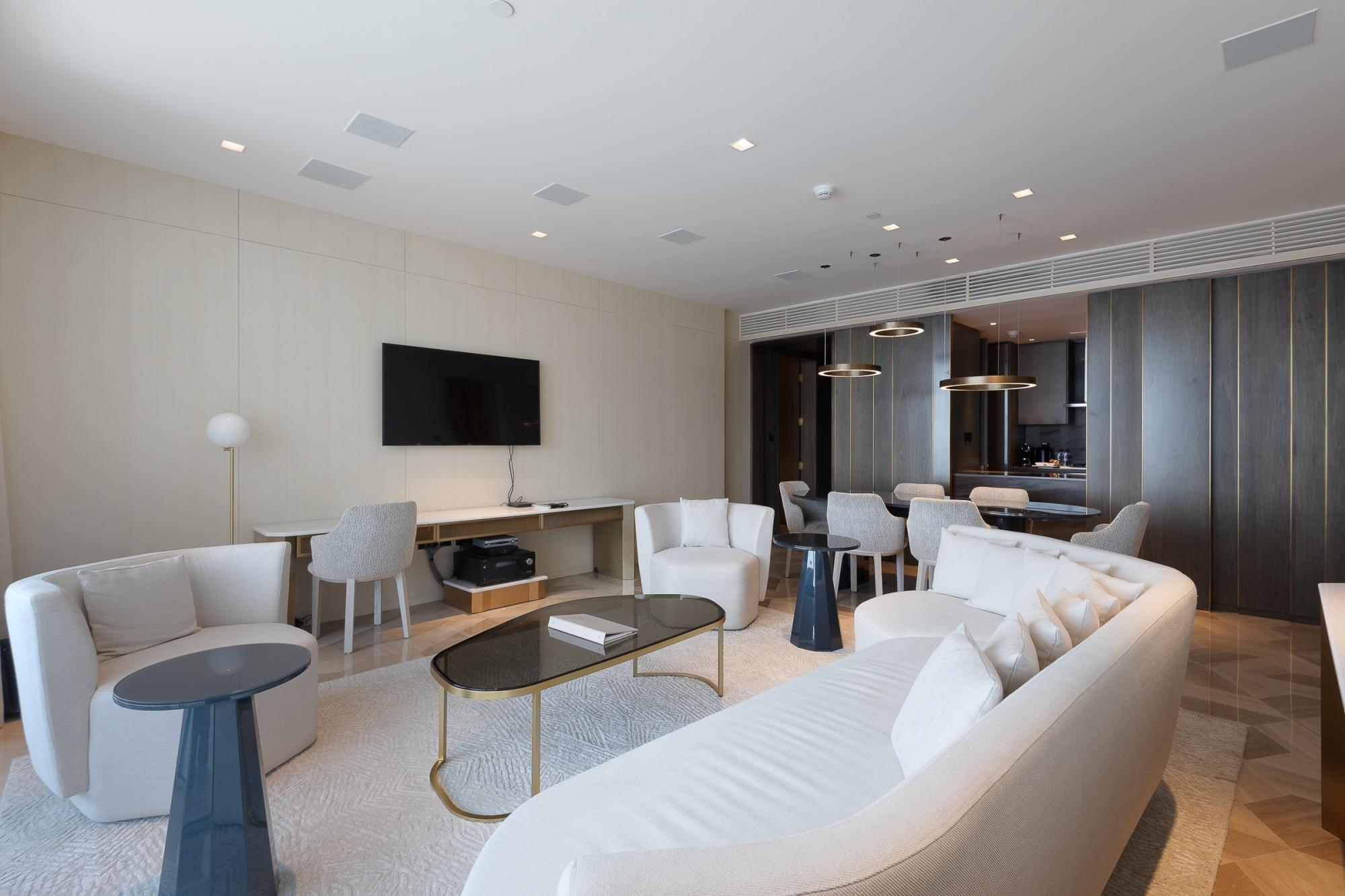 Luxury Lifestyle - Beautiful Layout - Spacious