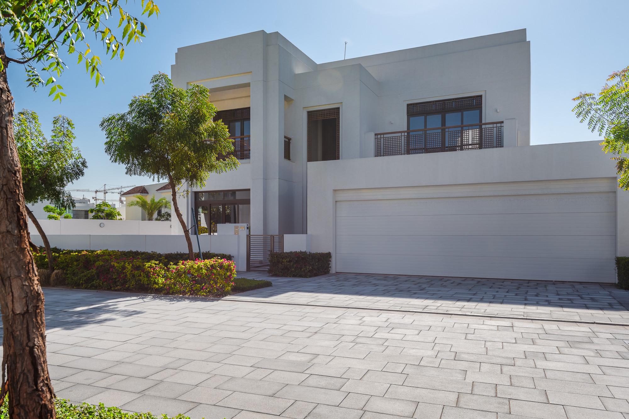 Brand New 5 Bedrooms Modern Arabic Style Villa