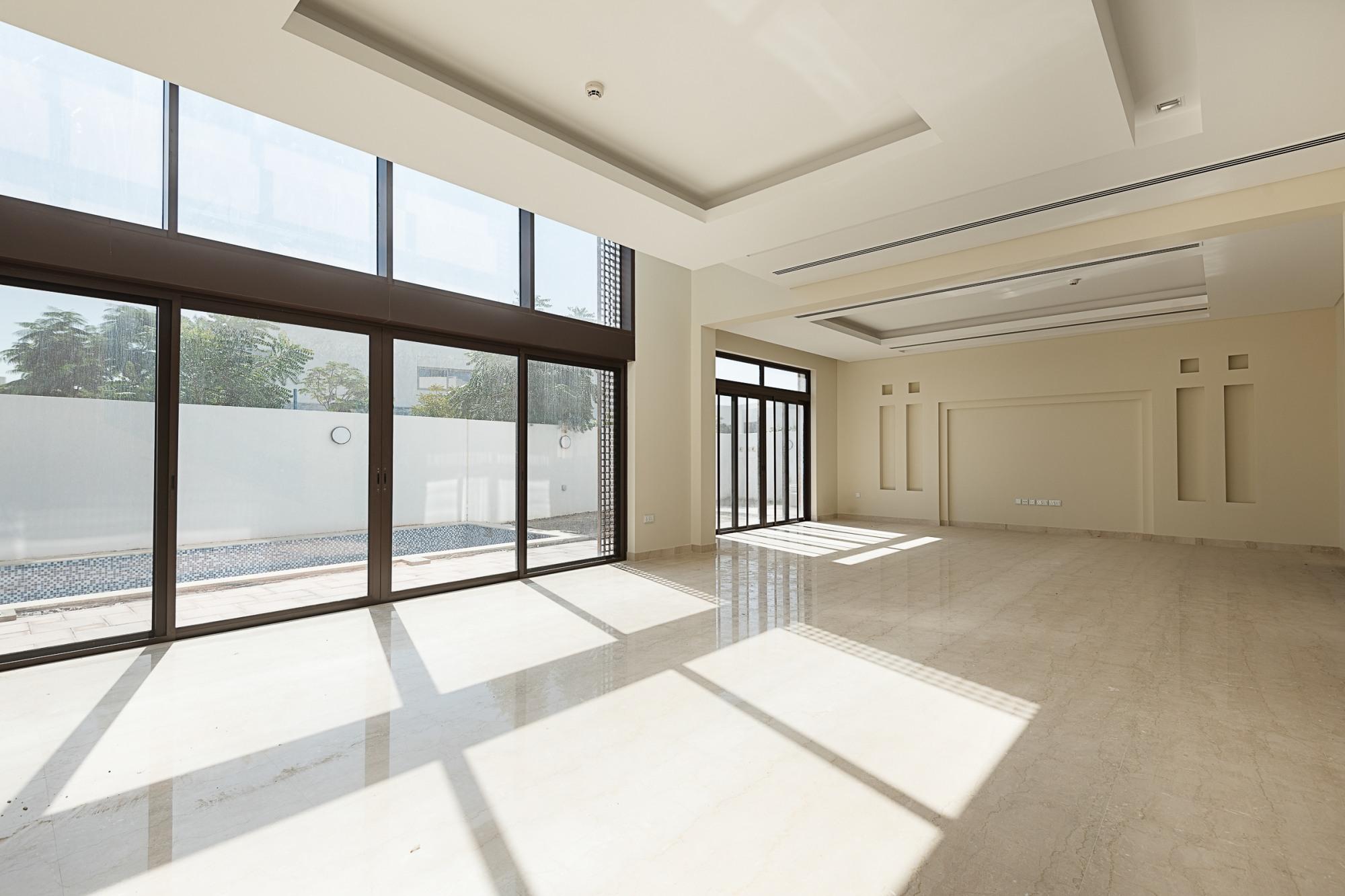 Stunning Modern Arabic Style 5 Bedrooms Villa