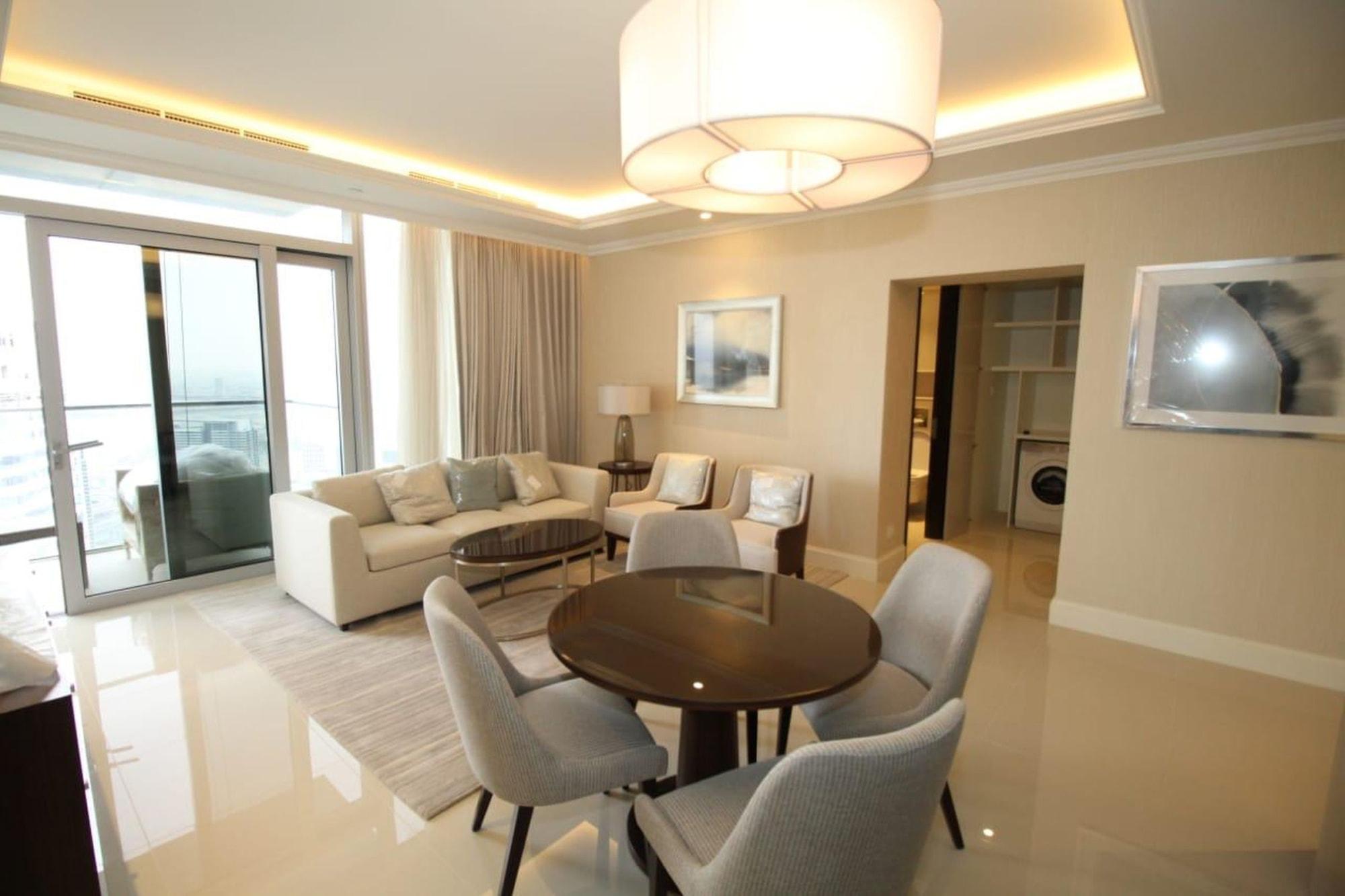 Elegant 1 Bed Unit | High Floor | Downtown Views