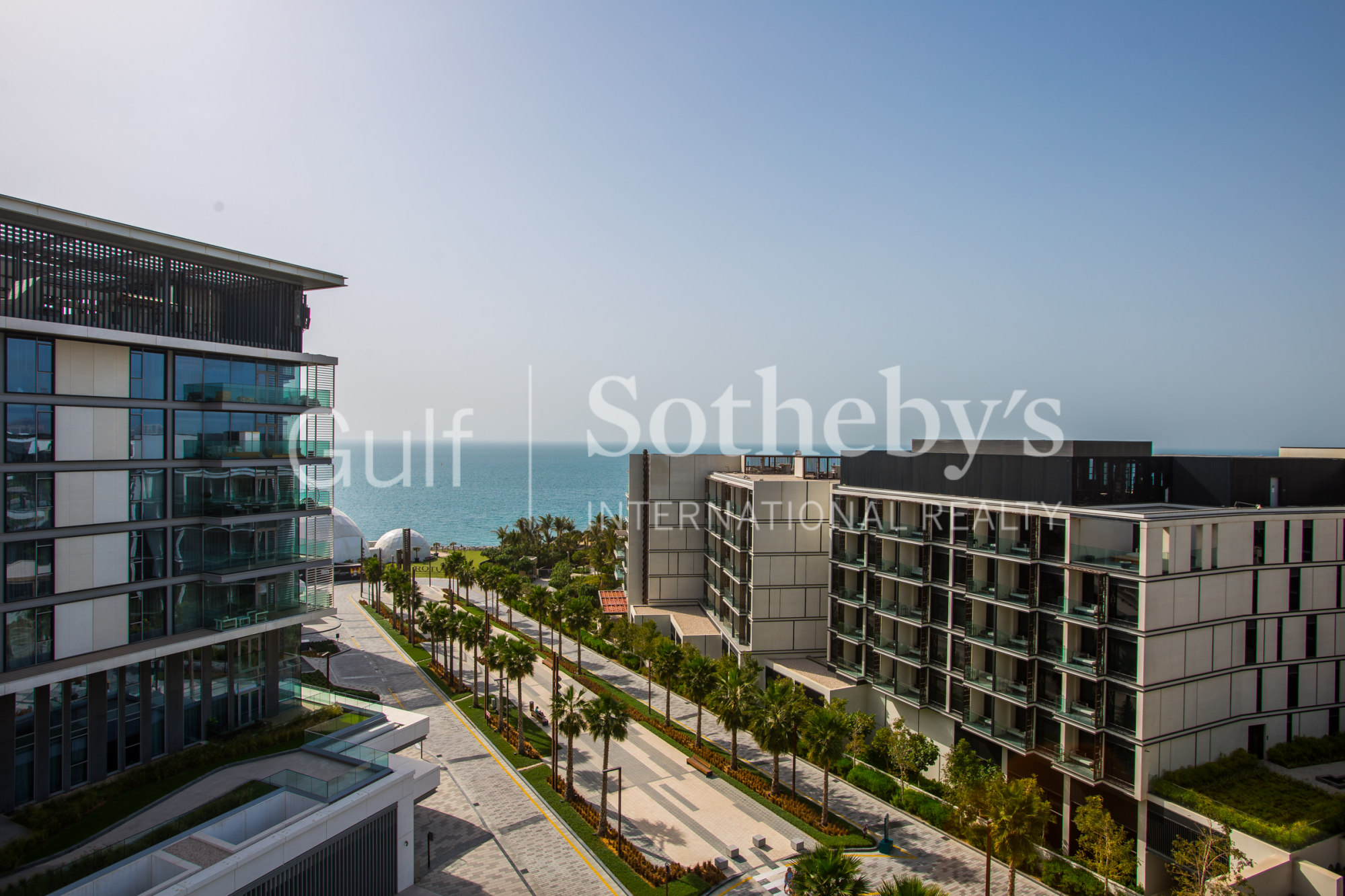Exclusive 4 Bed Apartment in Bluewaters