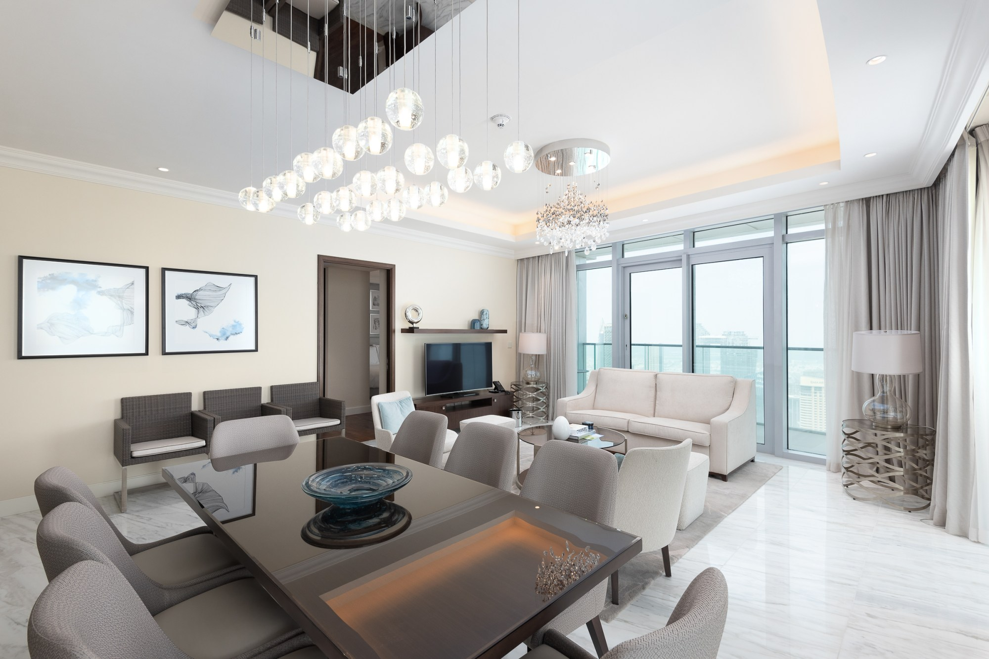 Gorgeous 3 Bedroom Apartment | Fountain Views 2