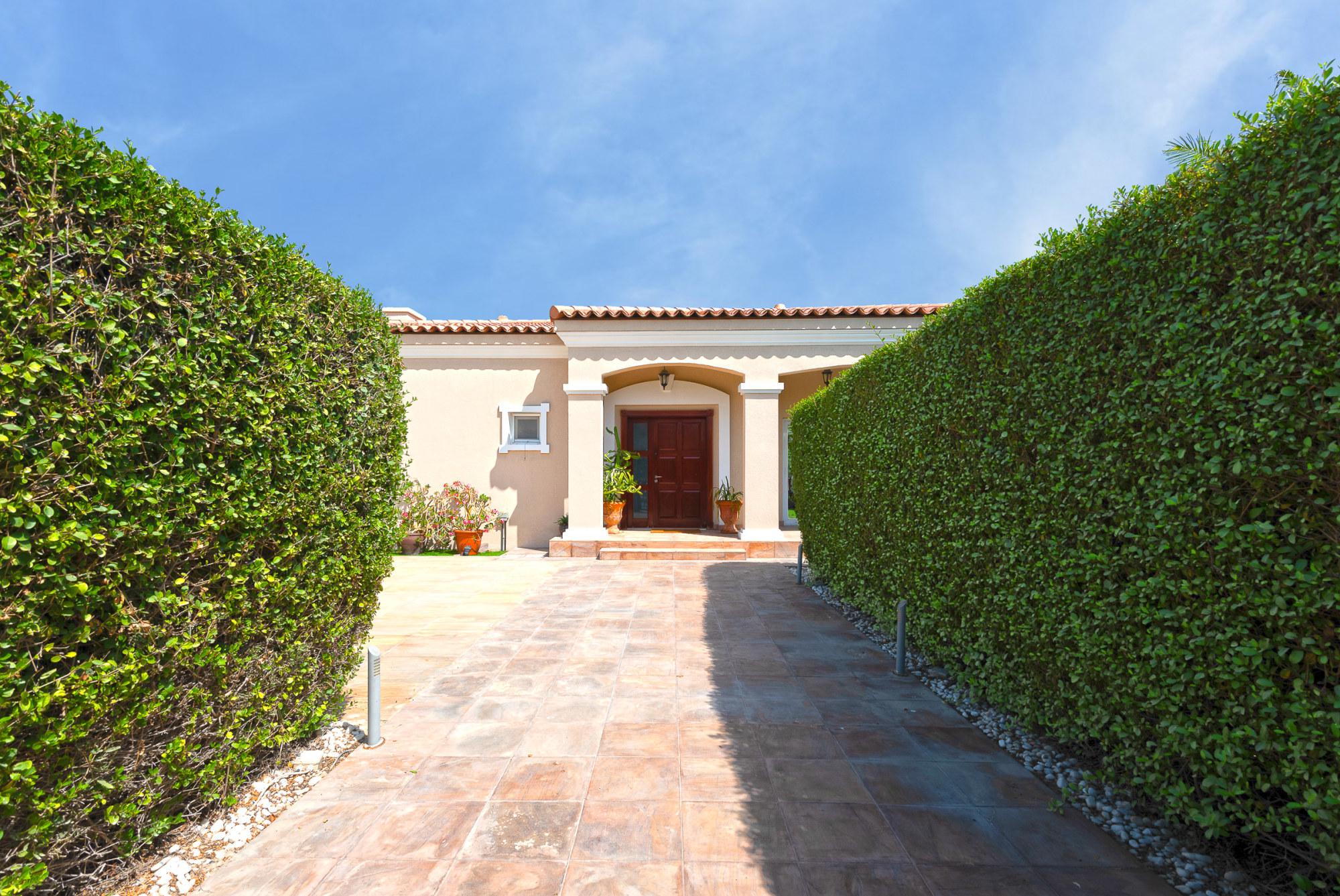 Exclusive   8 Rooms Villa   16,000 SF plot