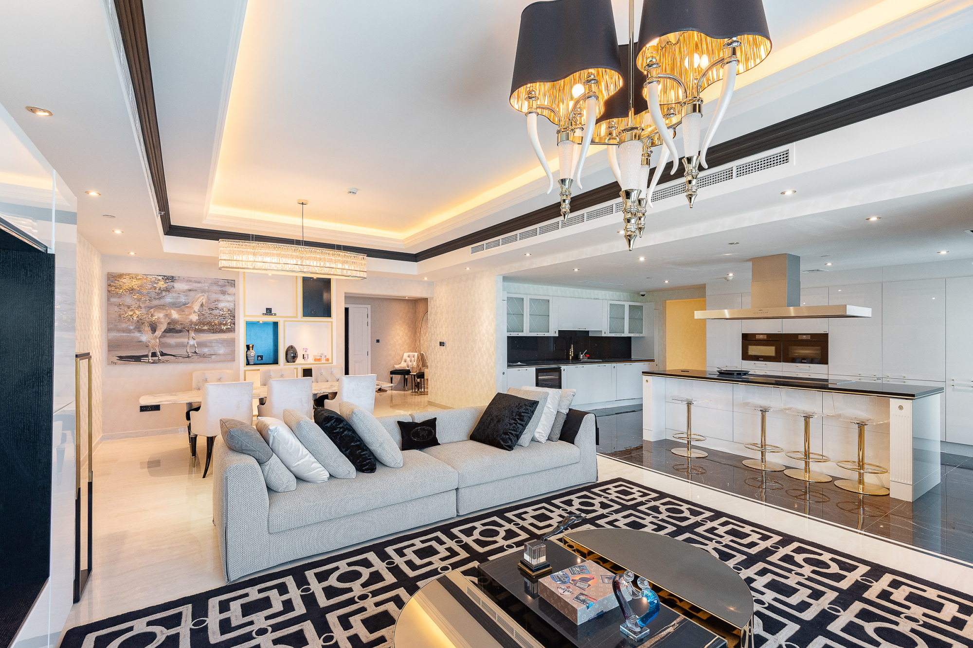 Luxury fully furnished 3BD apartment for rent