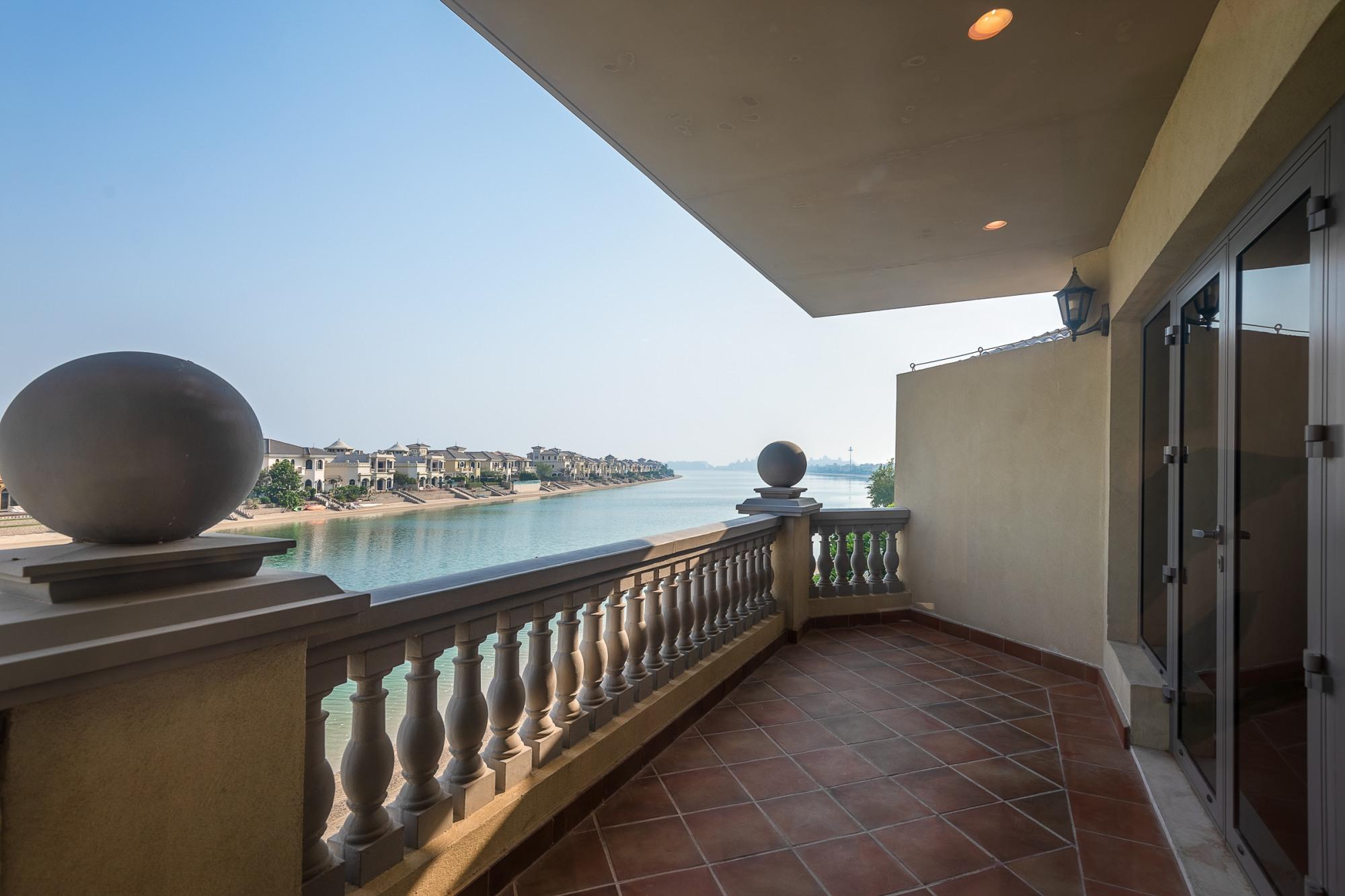4 Bedroom Garden Gallery Beachfront Villa