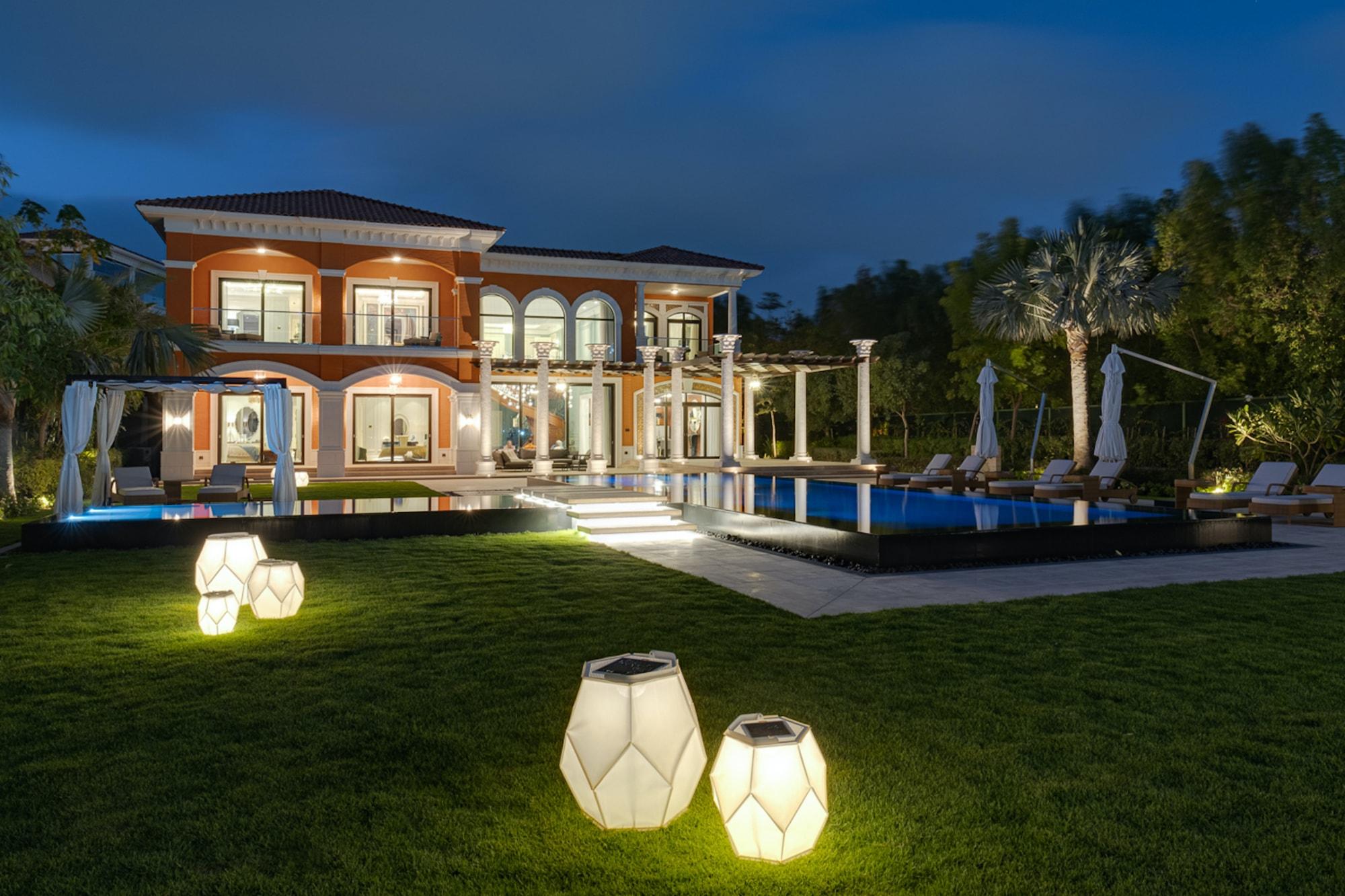 Beachfront Villa | Furnished | Palm Jumeirah