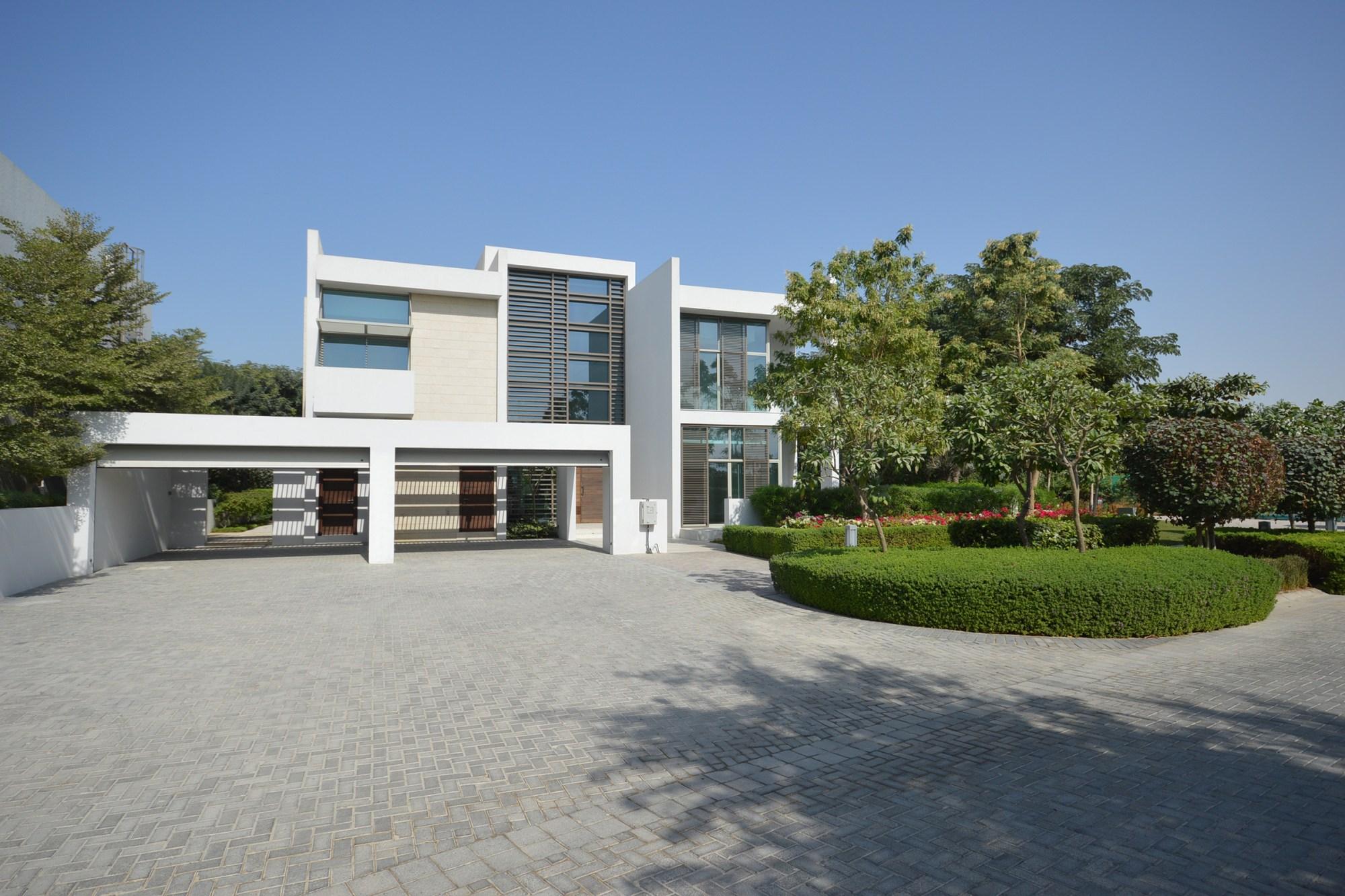 Huge 5BR Villa   Exclusive   Motivated Seller
