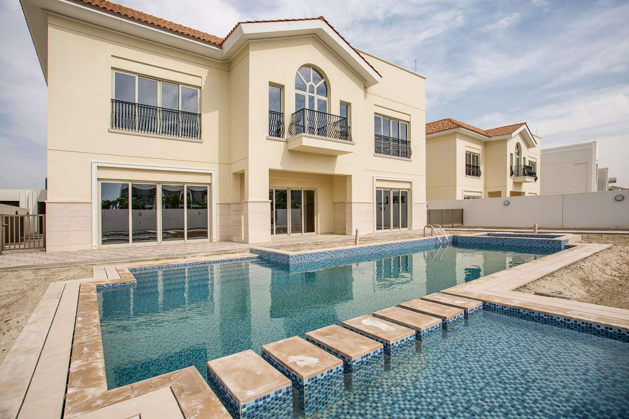Mediterranean Villa   6BR   Ready in District One
