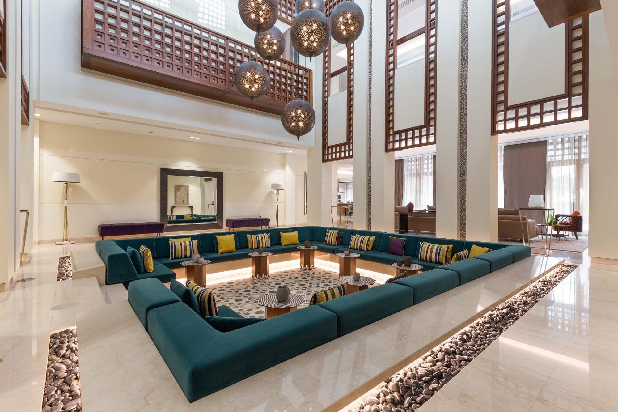 Beautiful 8BR Modern Arabic Mansion in District 1