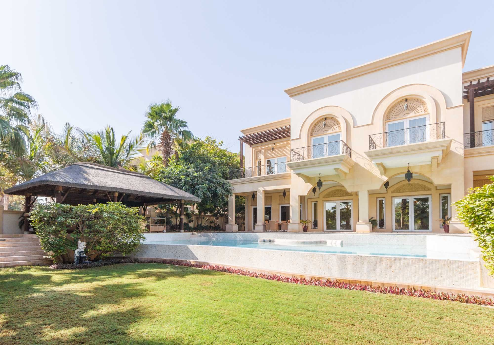 Immaculate 6 bedroom in Emirates Hills