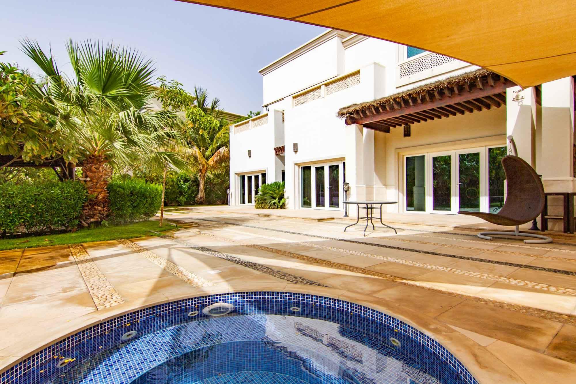 Nice 6 bedroom family Villa in Emirates Hills