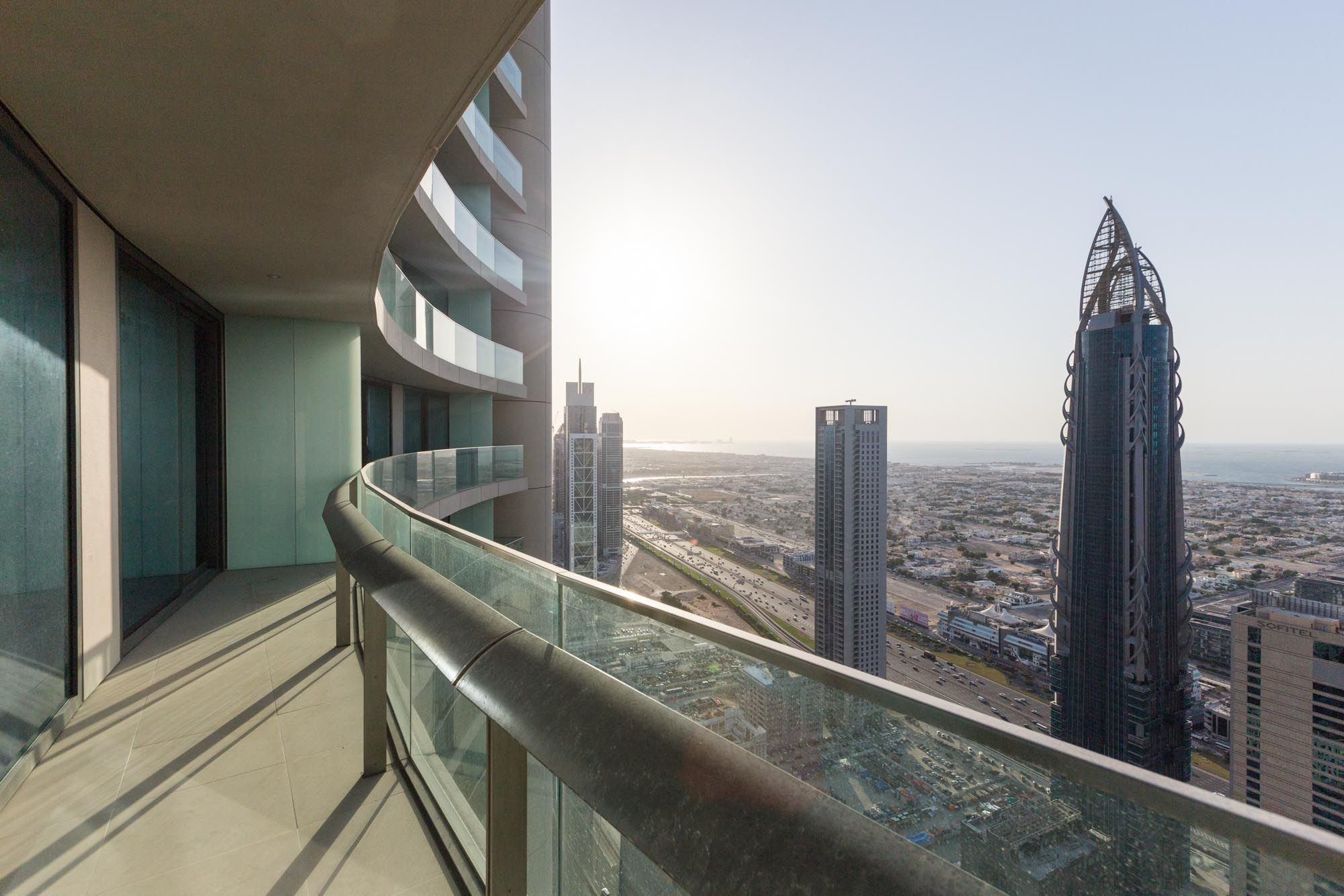High floor 2 BR in Burj Vista with sea view