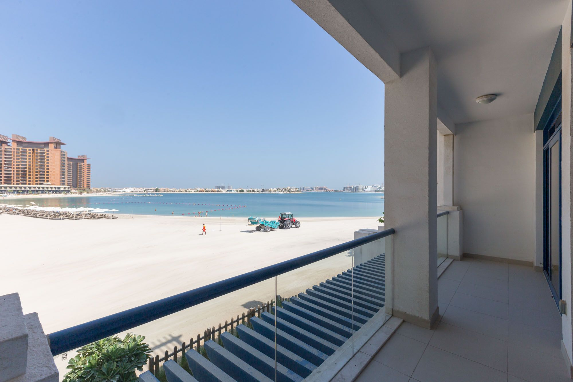 Private Beach Upgraded 5BR Villa Palm Jumeirah