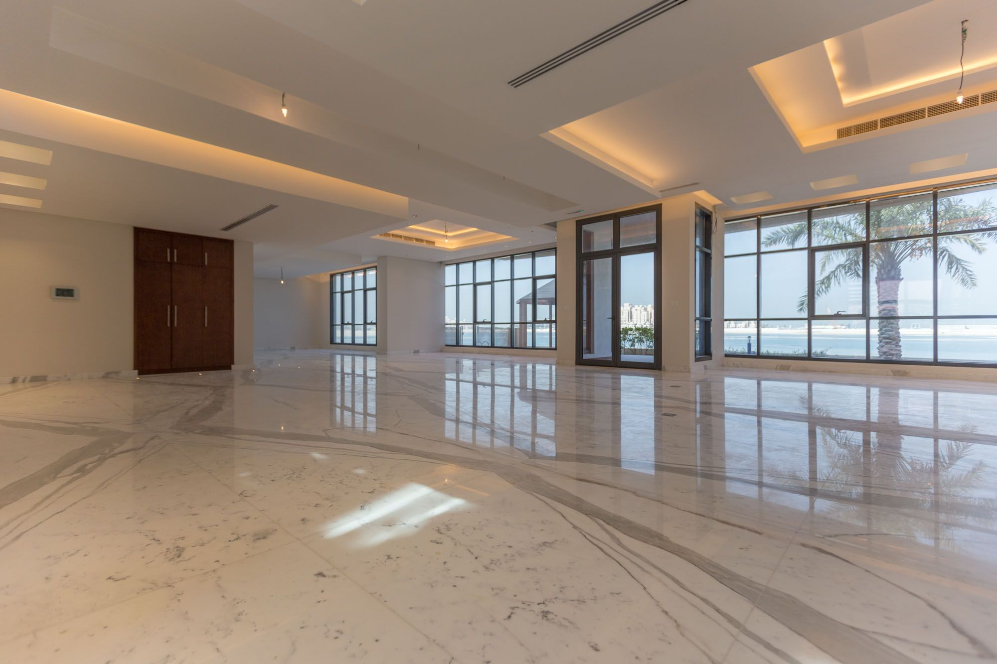 7 Bed Tip Villa Custom Made Italian Palm Jumeirah