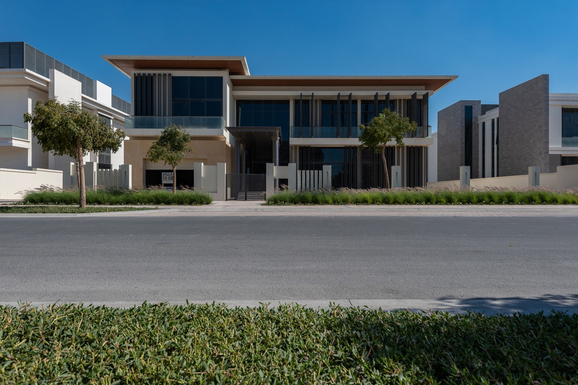 7BR Contemporary Mansion | Golf Course View