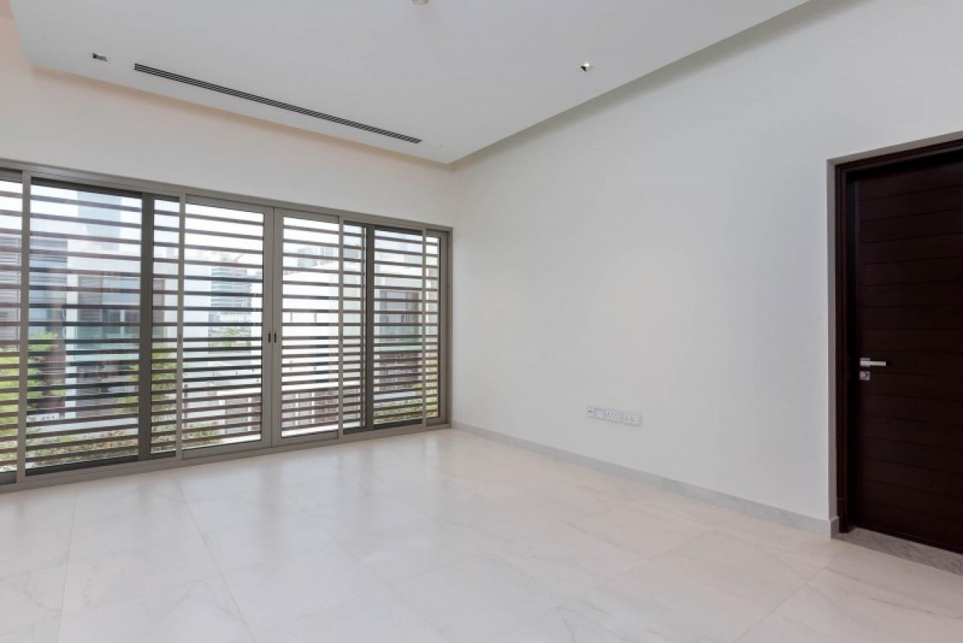 Largest Corner Plot Contemporary with Lift