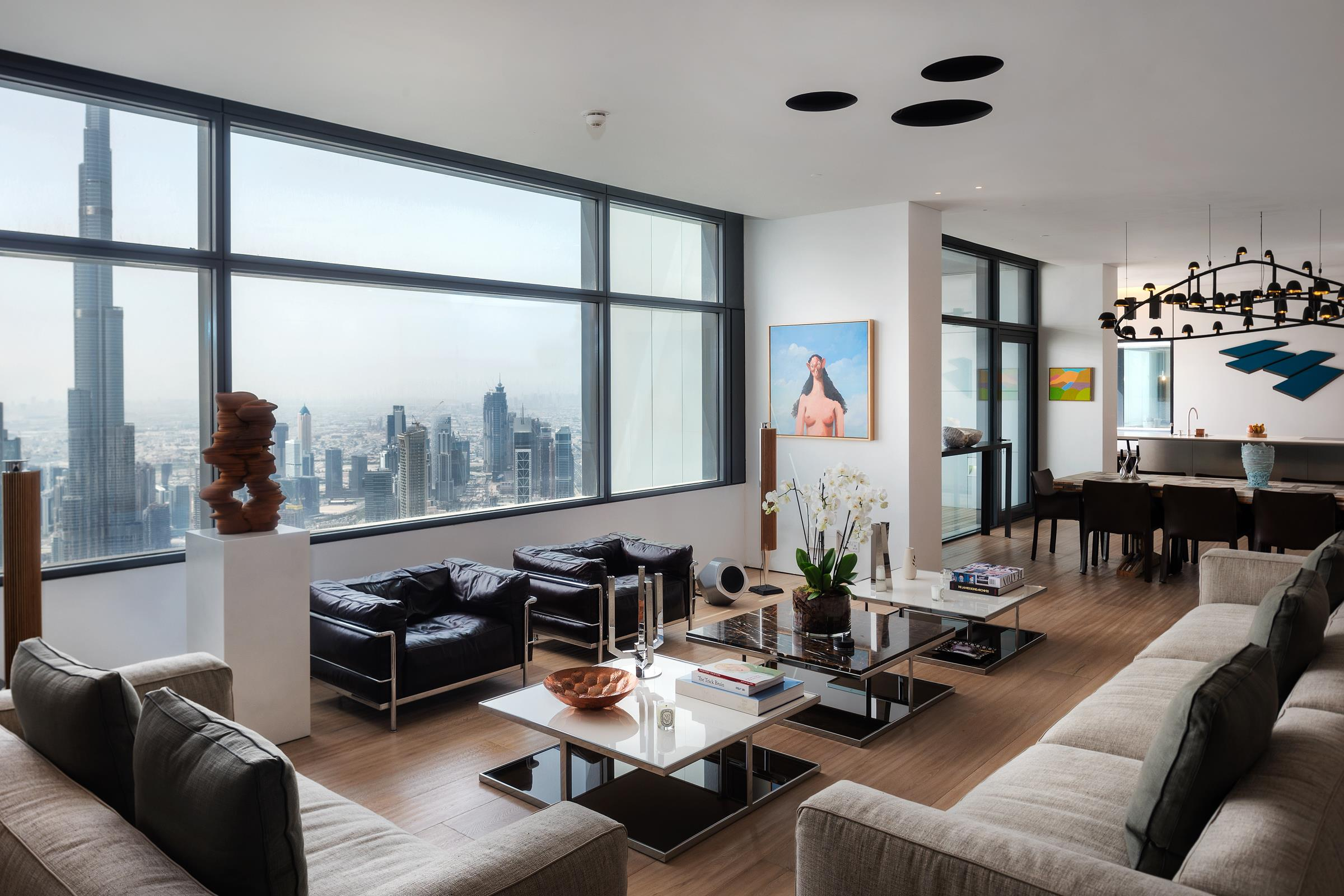 Exquisite Triplex Penthouse remastered to perfection