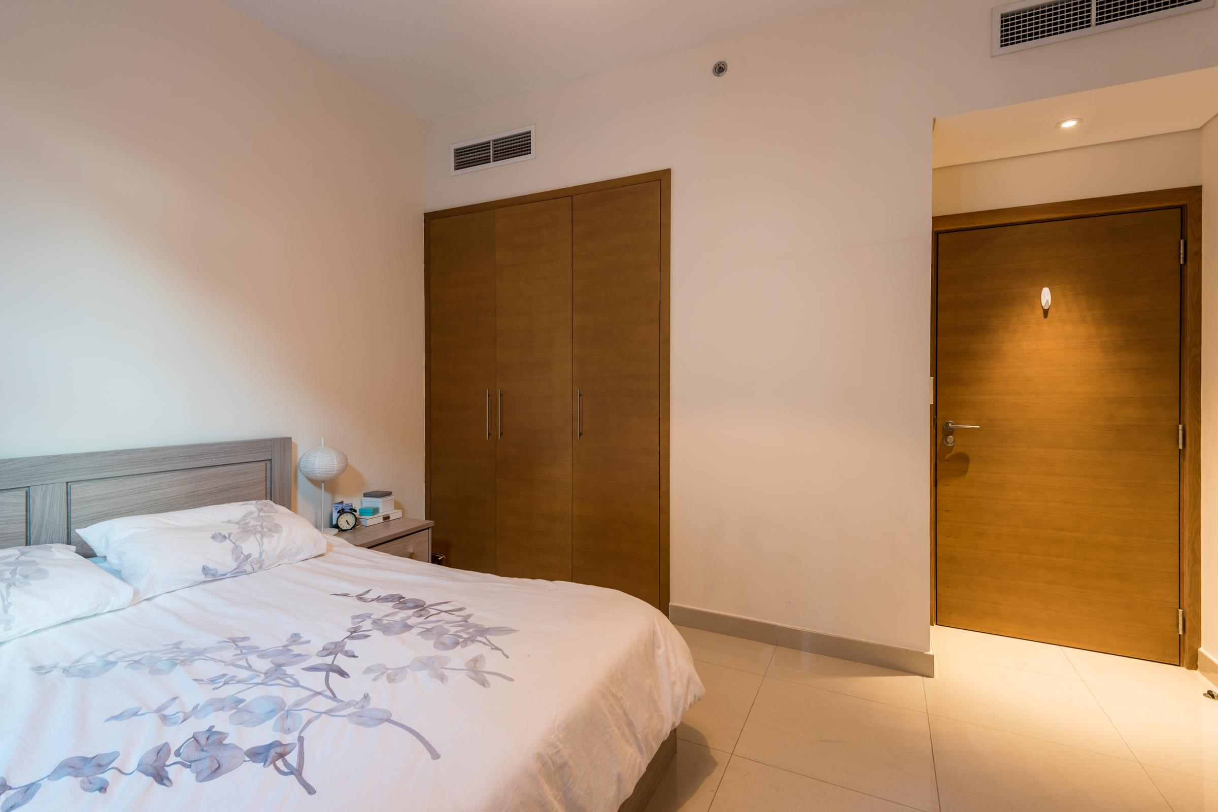 One Bed Room Plus Study - Motivated Seller - High ROI