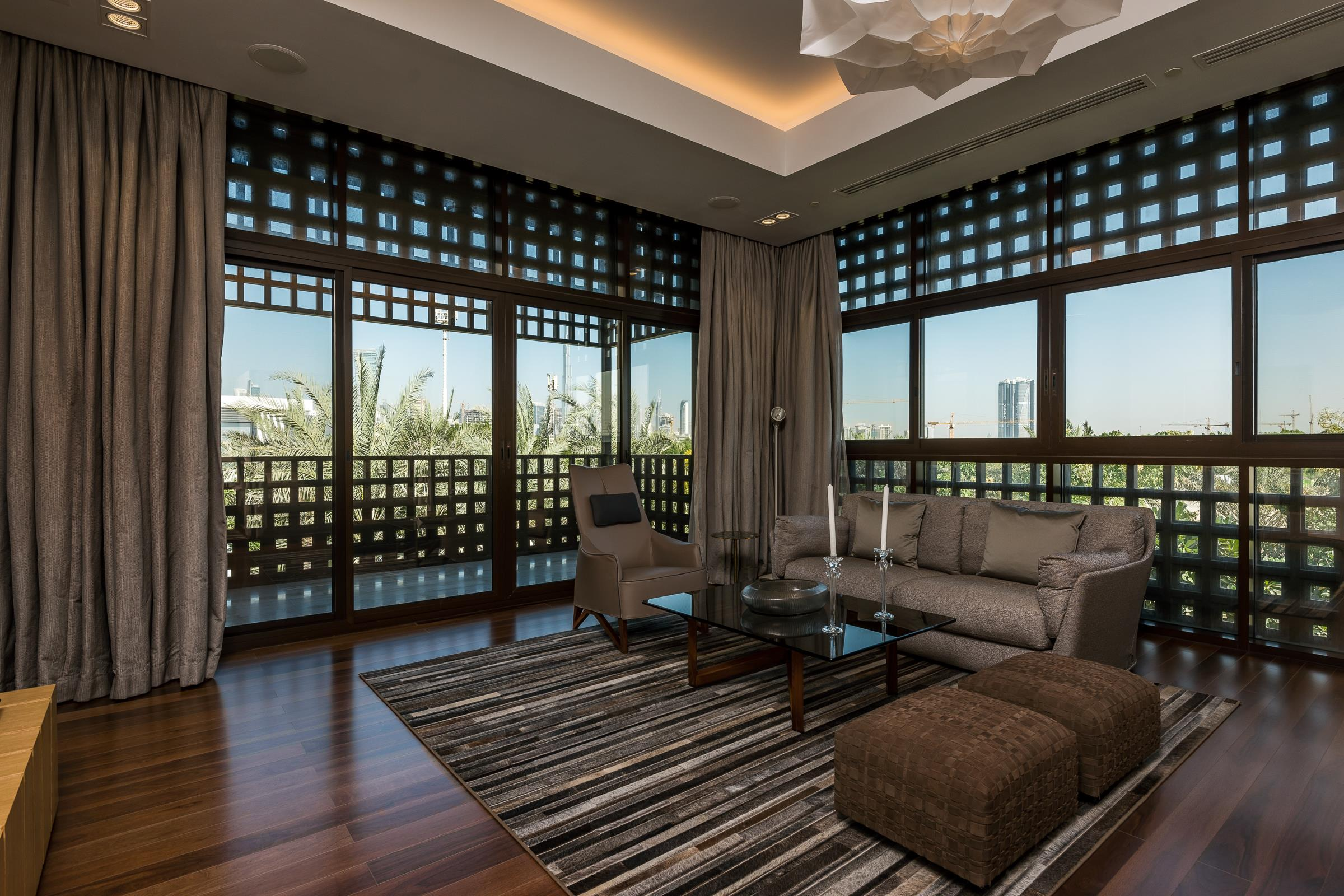 Arabic Seven Bed Mansion Crystal Lagoon