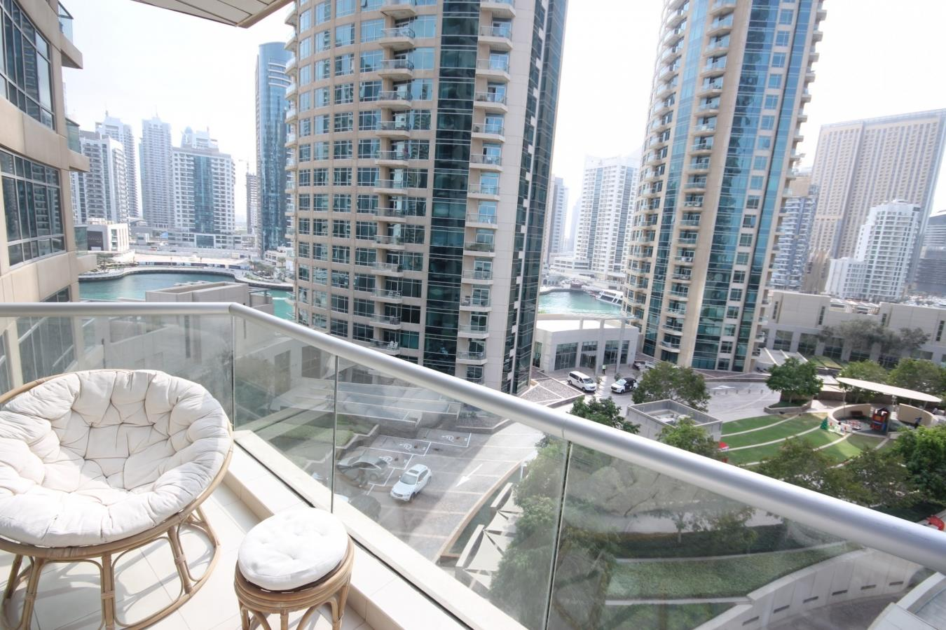 Large 1 Bedroom Apartment with Marina View
