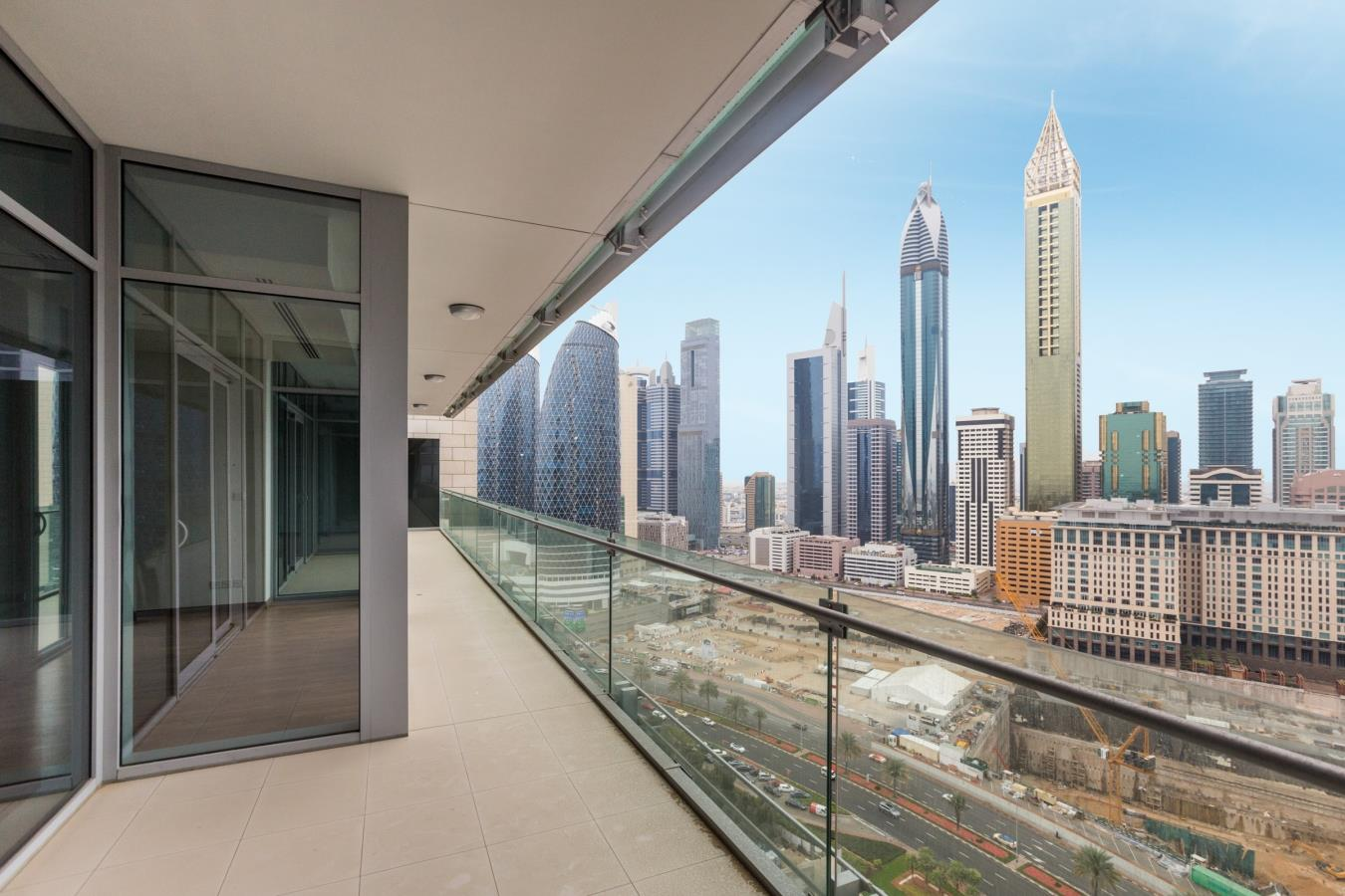 Breathtaking Views 2 BR Simplex Burj Daman