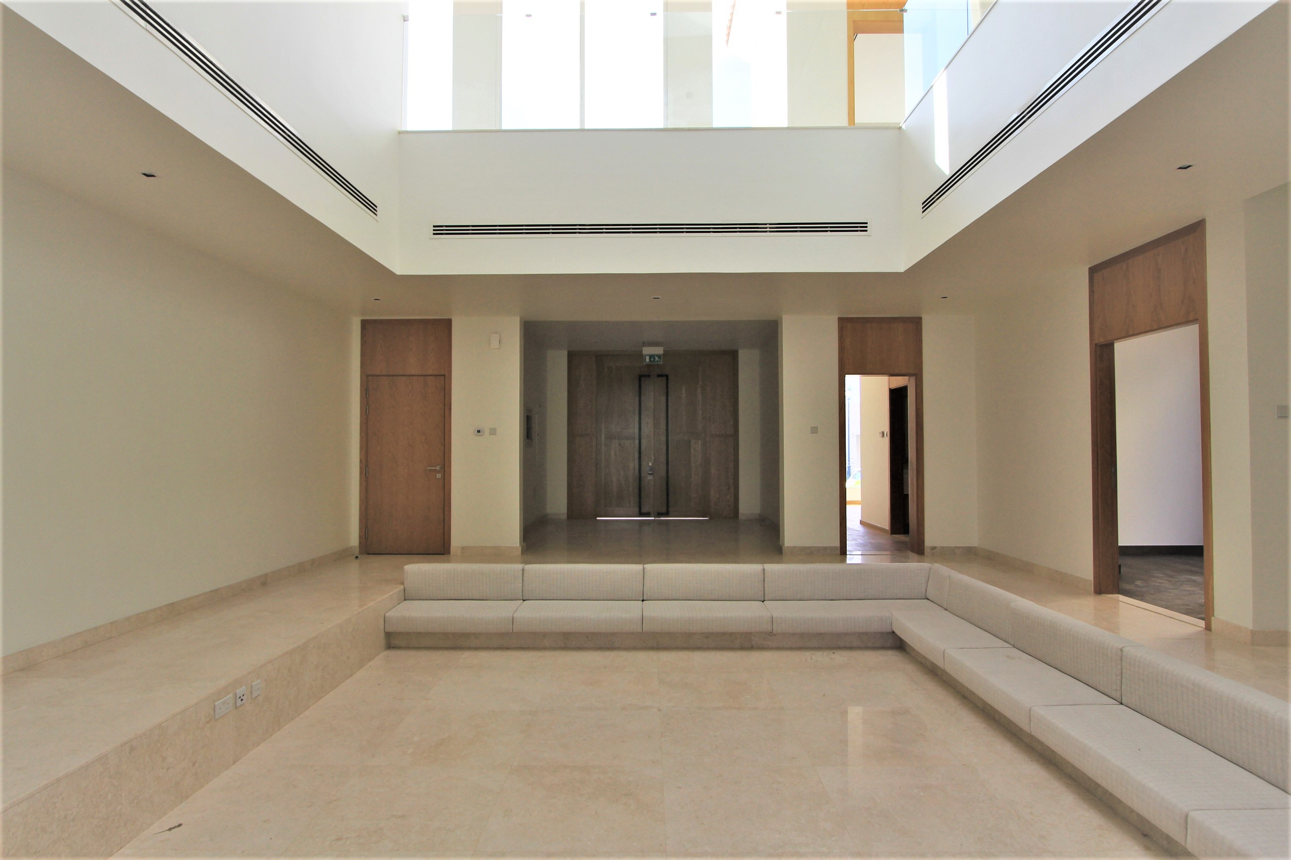 Modern Neutral Finish | Basement and Lift