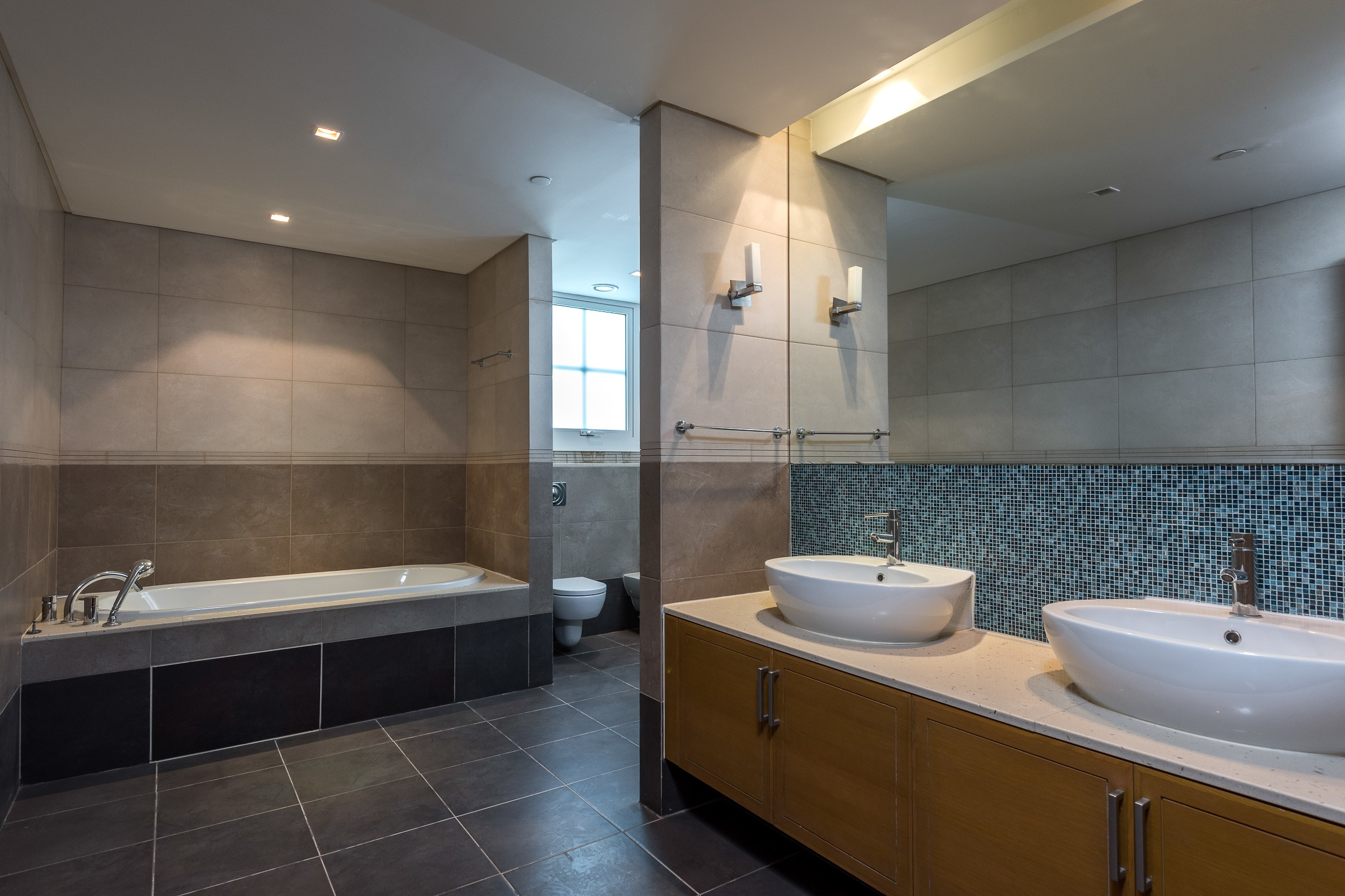 4700 Sq.Ft | 3 Bed + M | Type A | Vacant