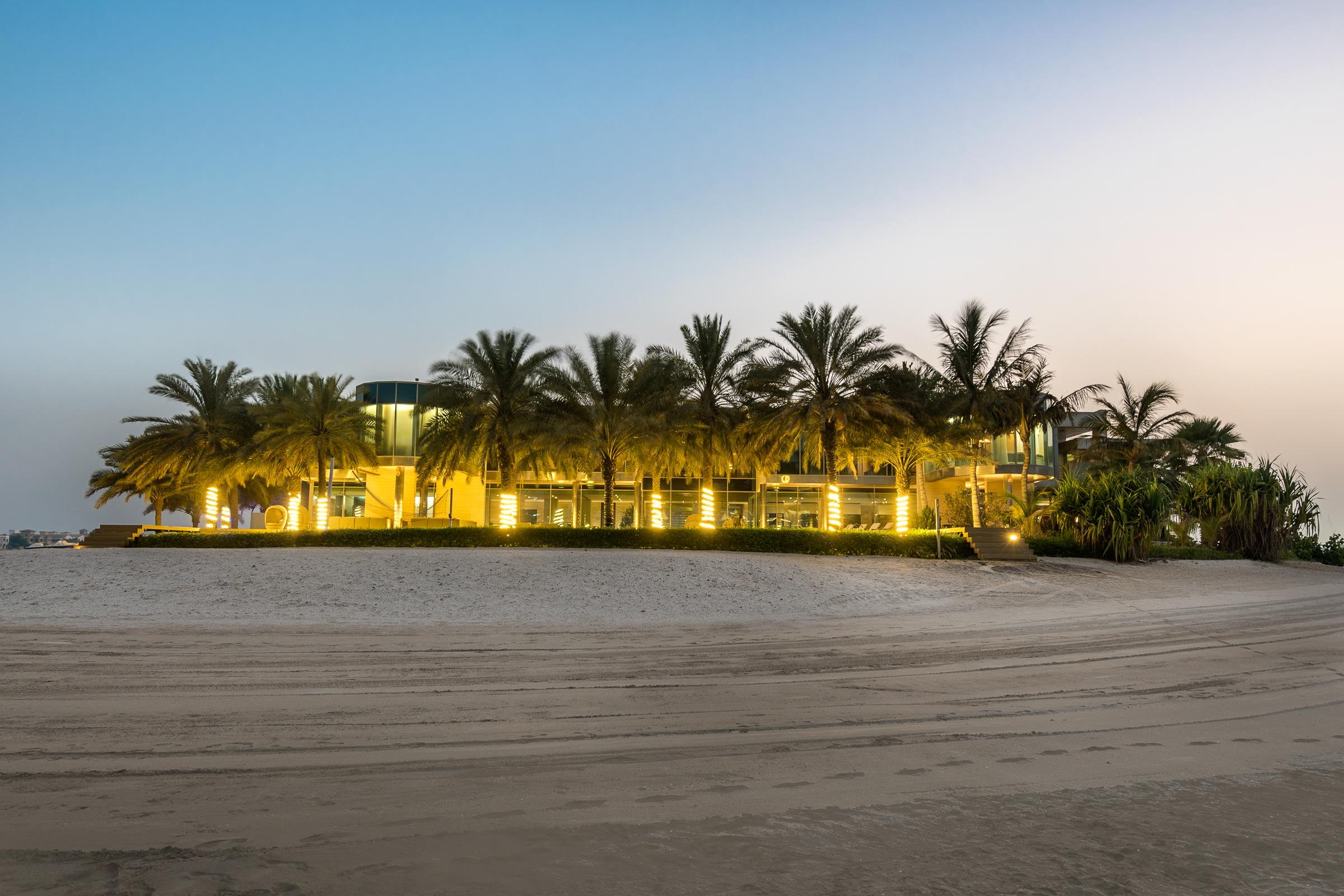 Private Palm Jumeirah Beachfront Palace
