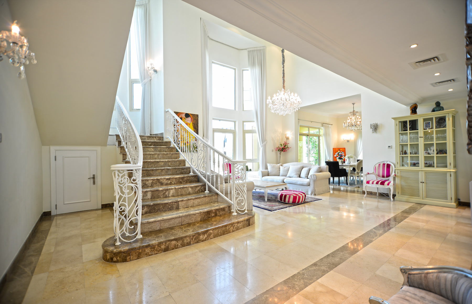 Exclusive Garden Hall Close to Club House