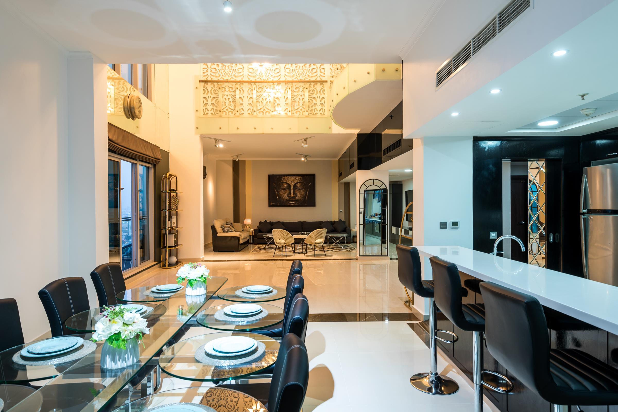 Luxury Penthouse Overlooking Burj Khalifa