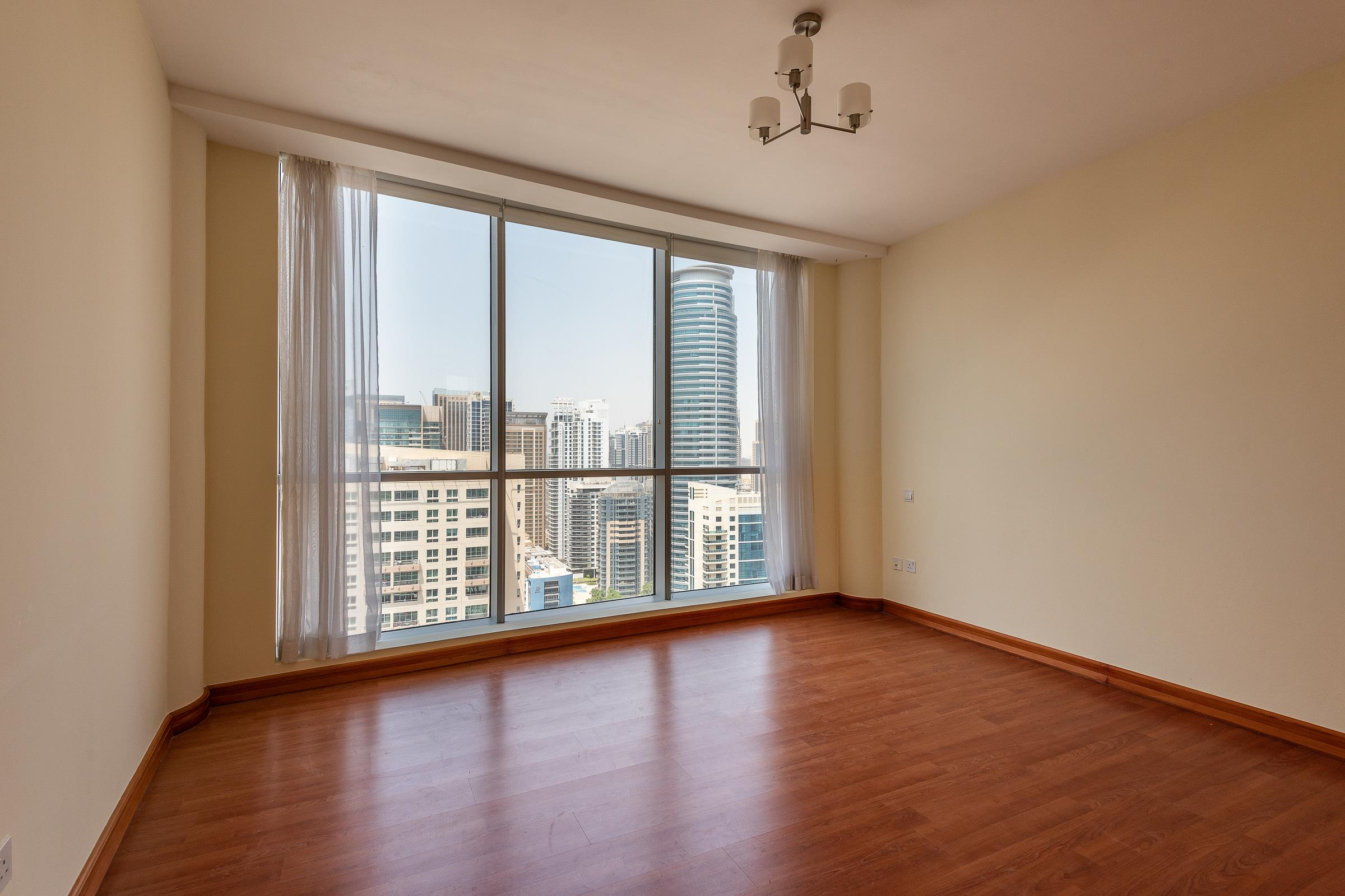 3 Bed Penthouse with Private Roof and Pool