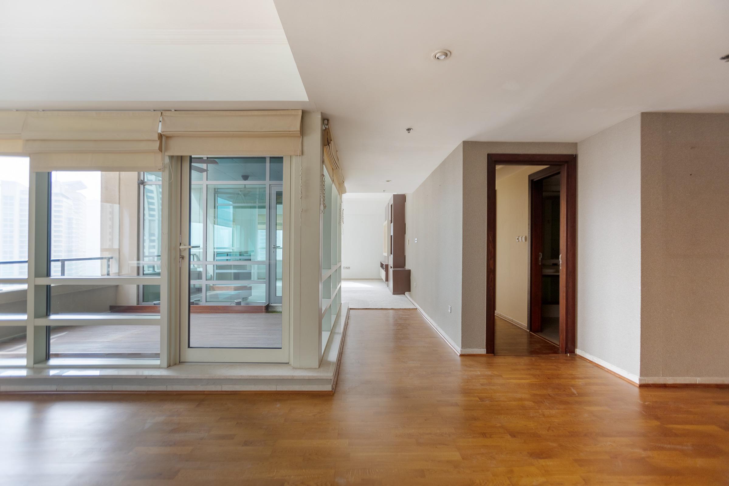 Upgraded I Three Bedroom l Marina views