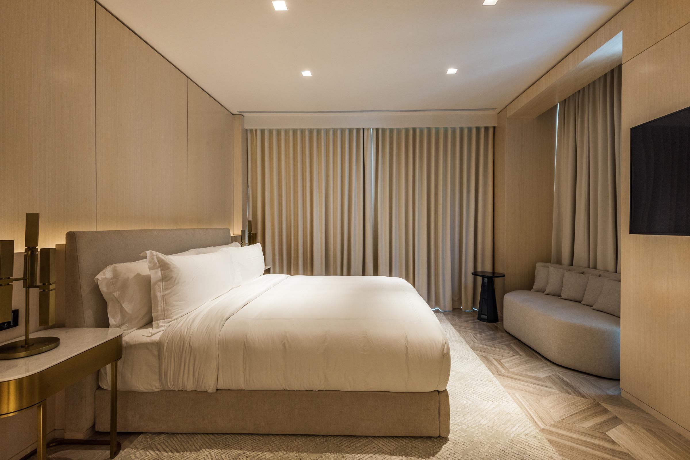 Full Dubai Eye View   Mid-floor   Rented