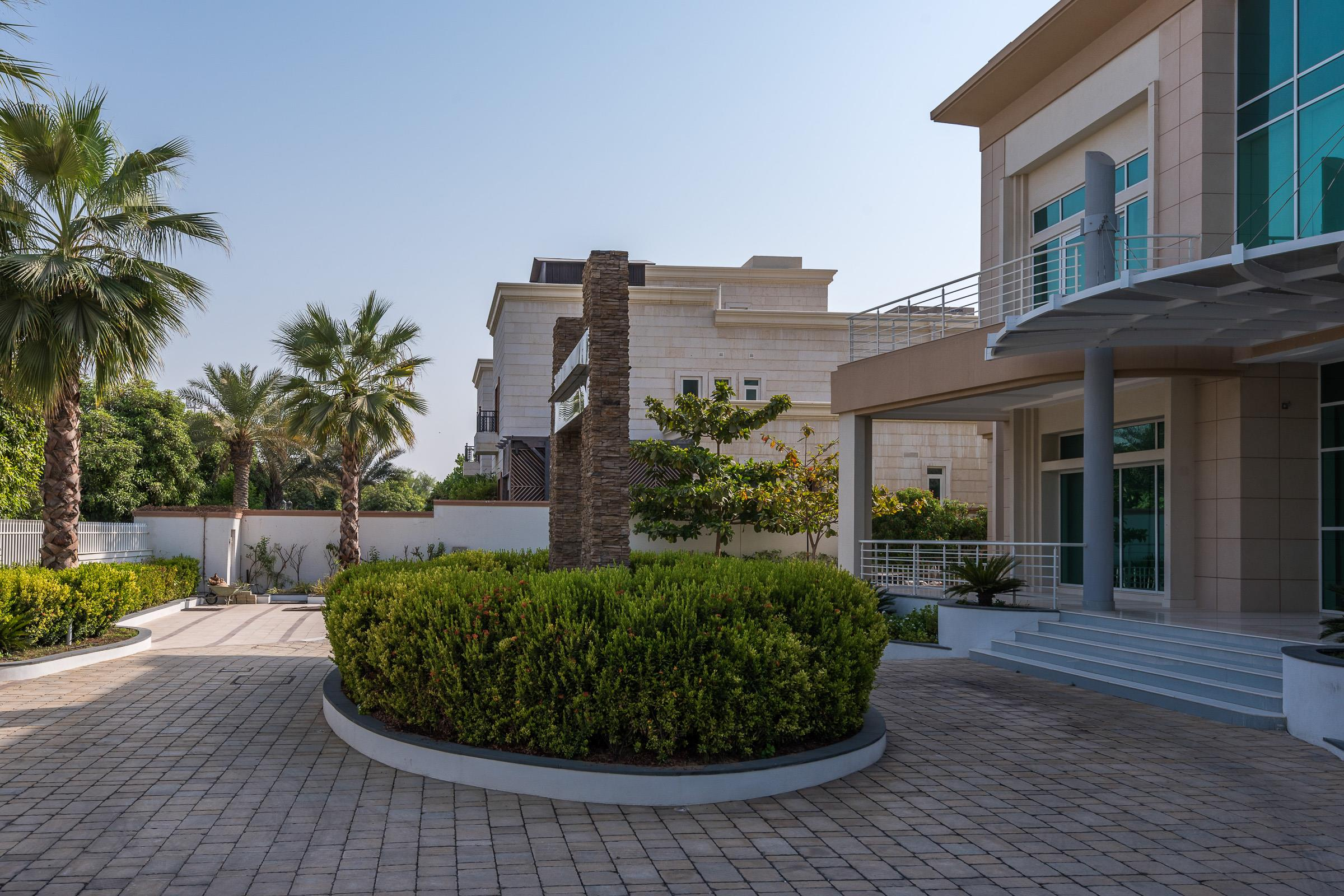 Emirates Hills - Market Committed Seller