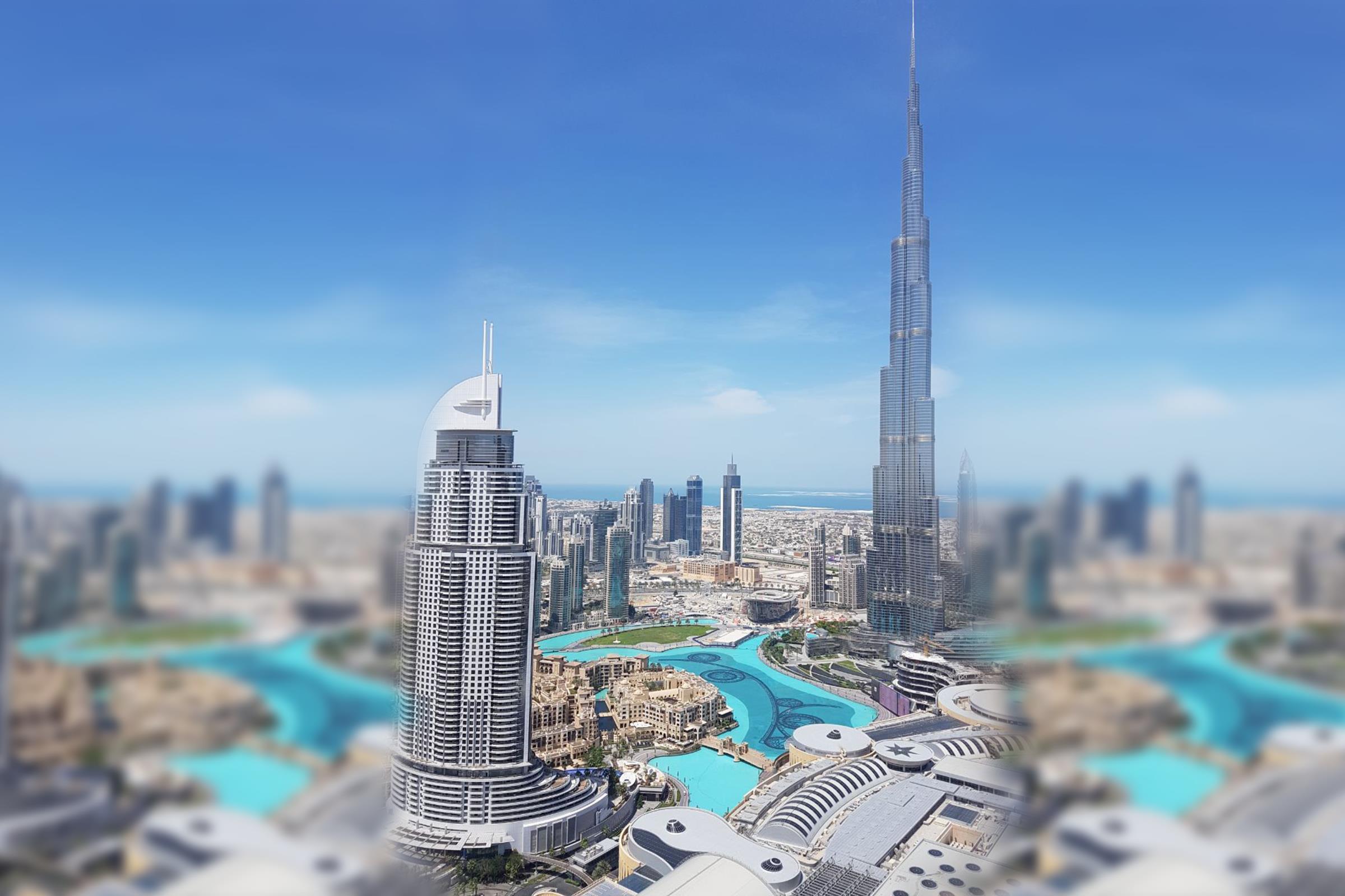 Center 04 Grand Fountain and Burj View