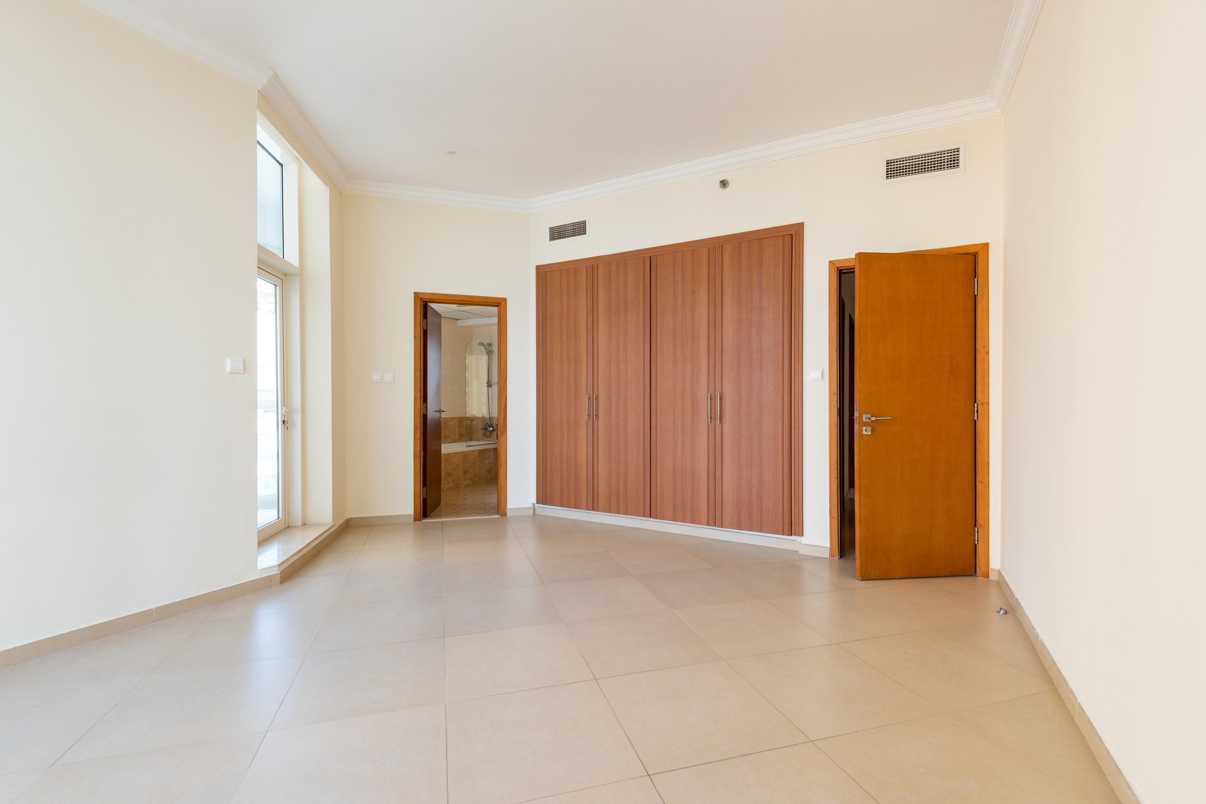 Three Bedroom I Vacant I Sea view