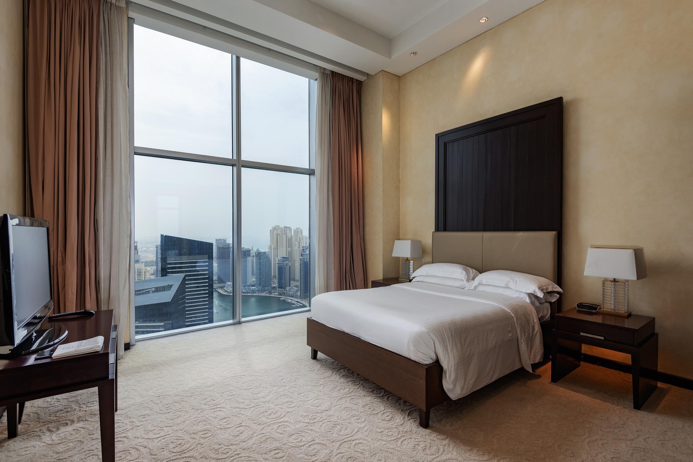 Unique Luxury 4 Bedroom Penthouse Marina