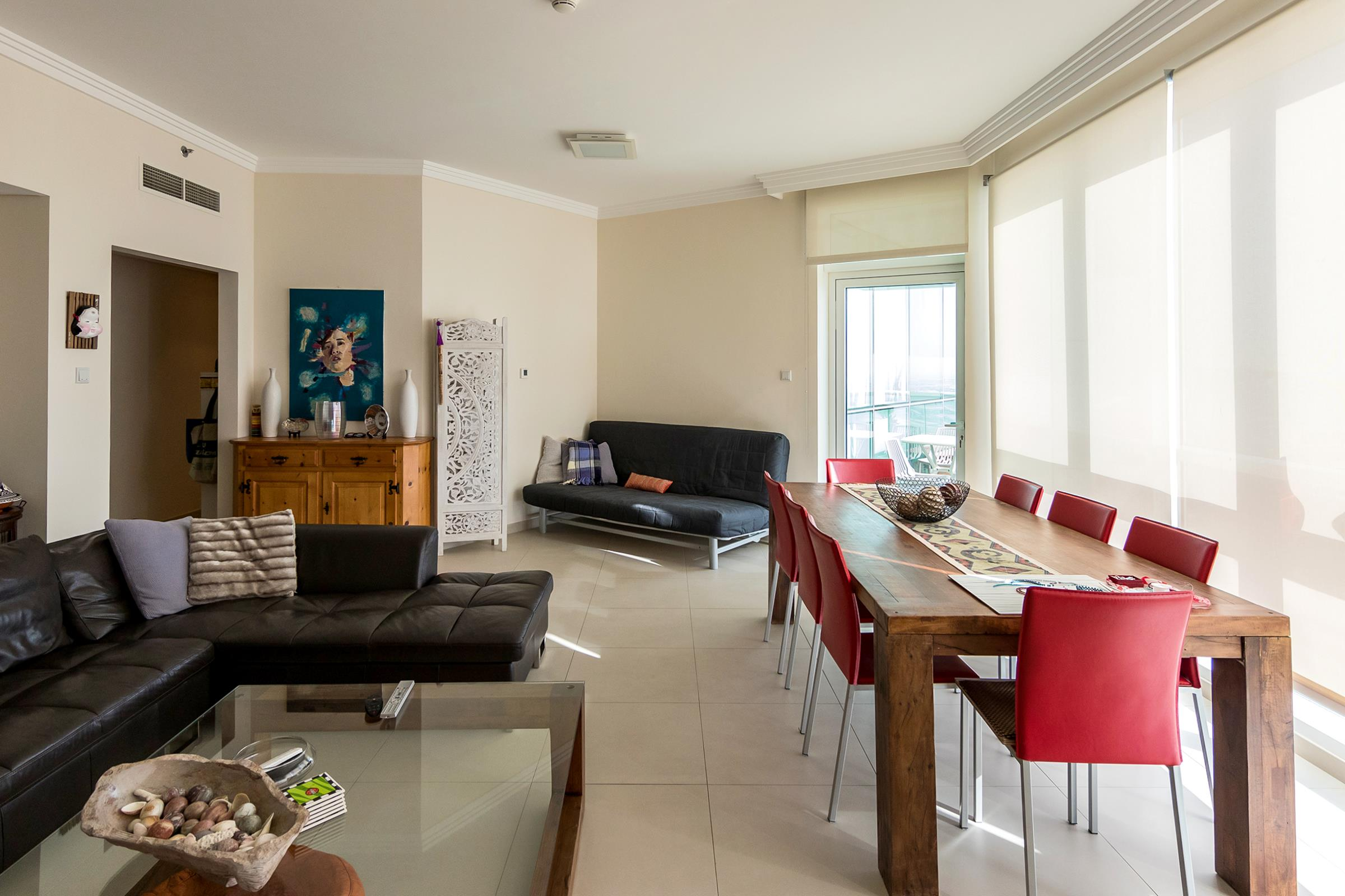 A Vacant and High Floor Apartment in JBR