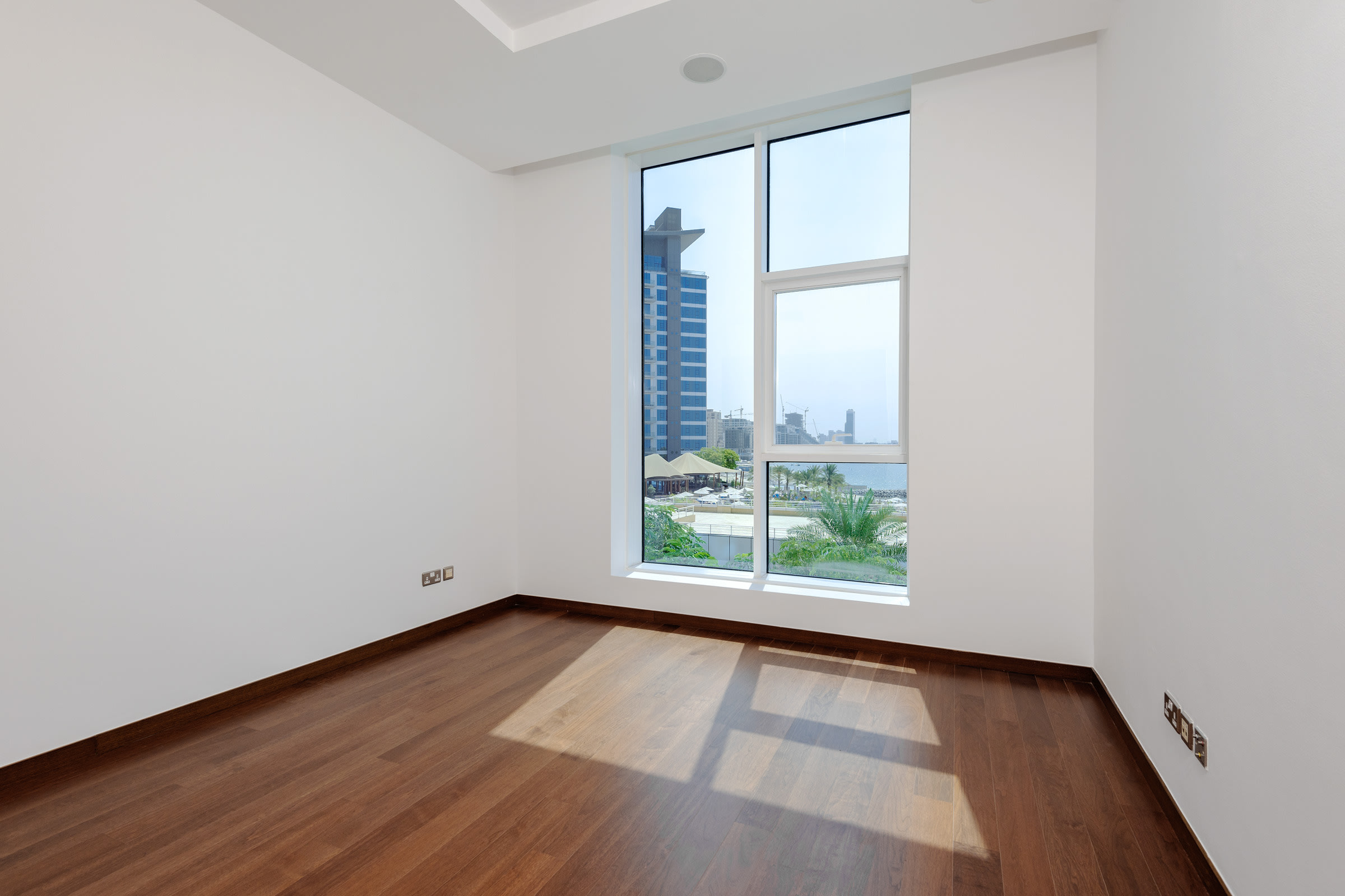Sunset and Atlantis View | 3 Bed + Study