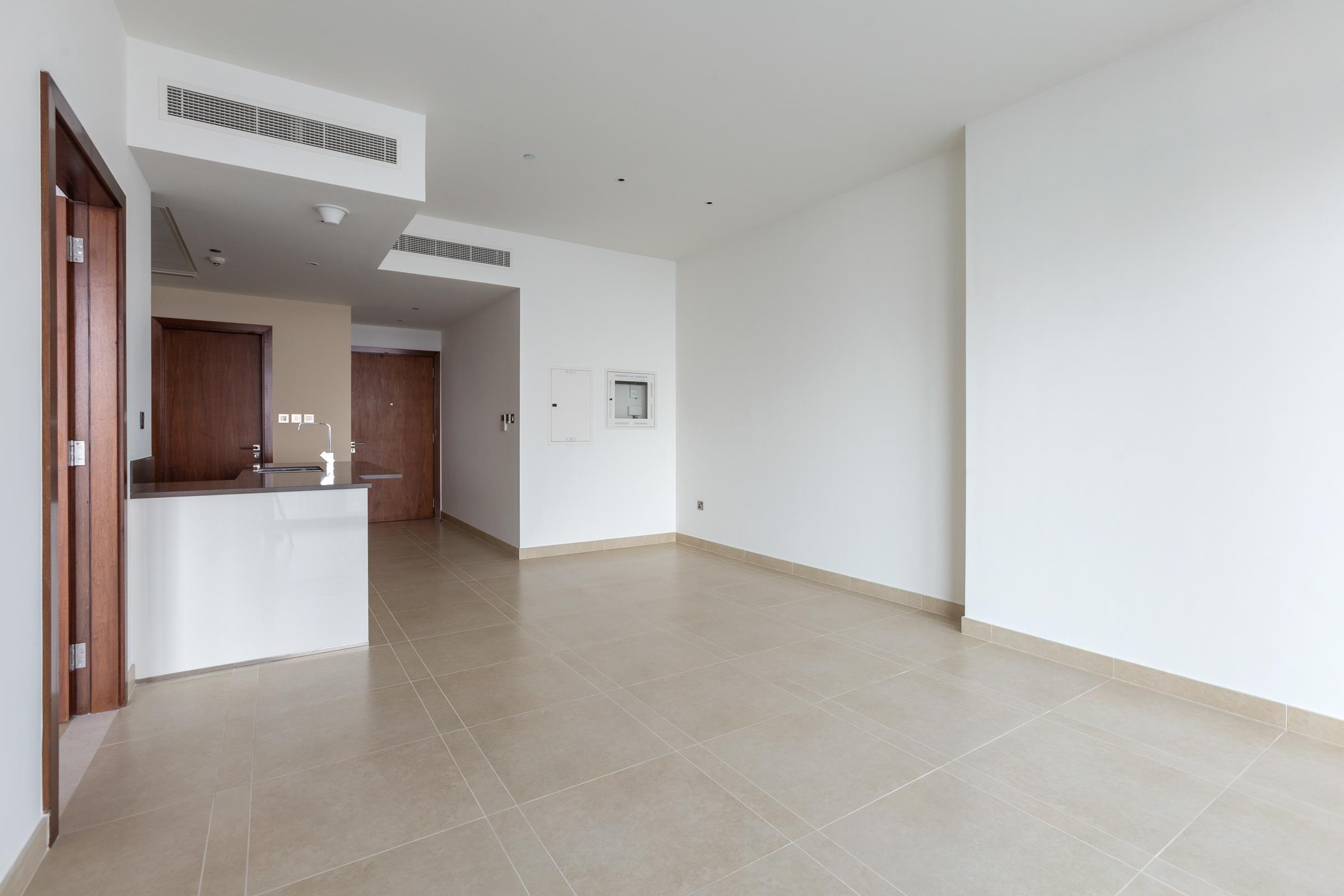 3 Bedroom Apartment with Full Marina View