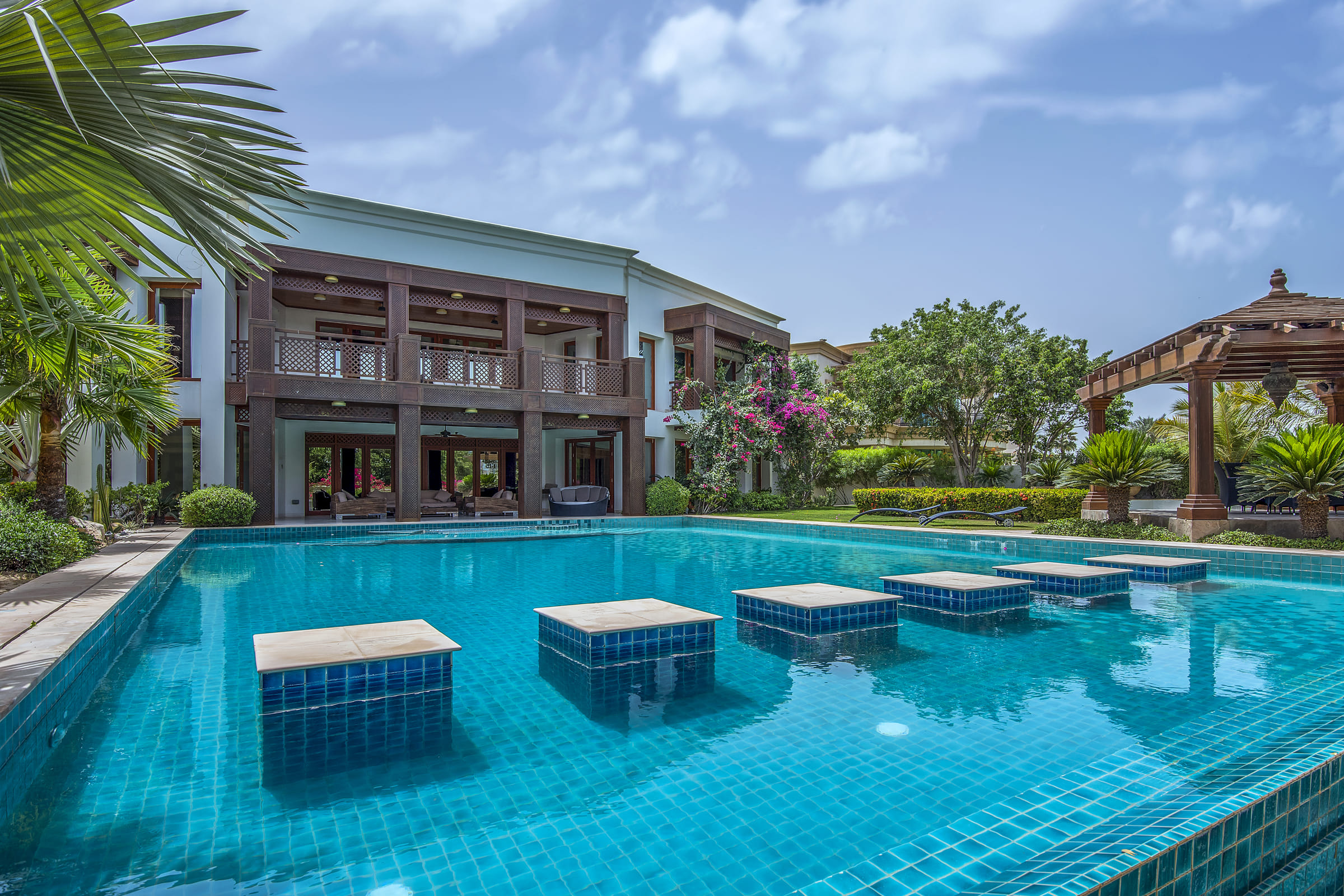 Unique Flexible Double Villa Golf Views