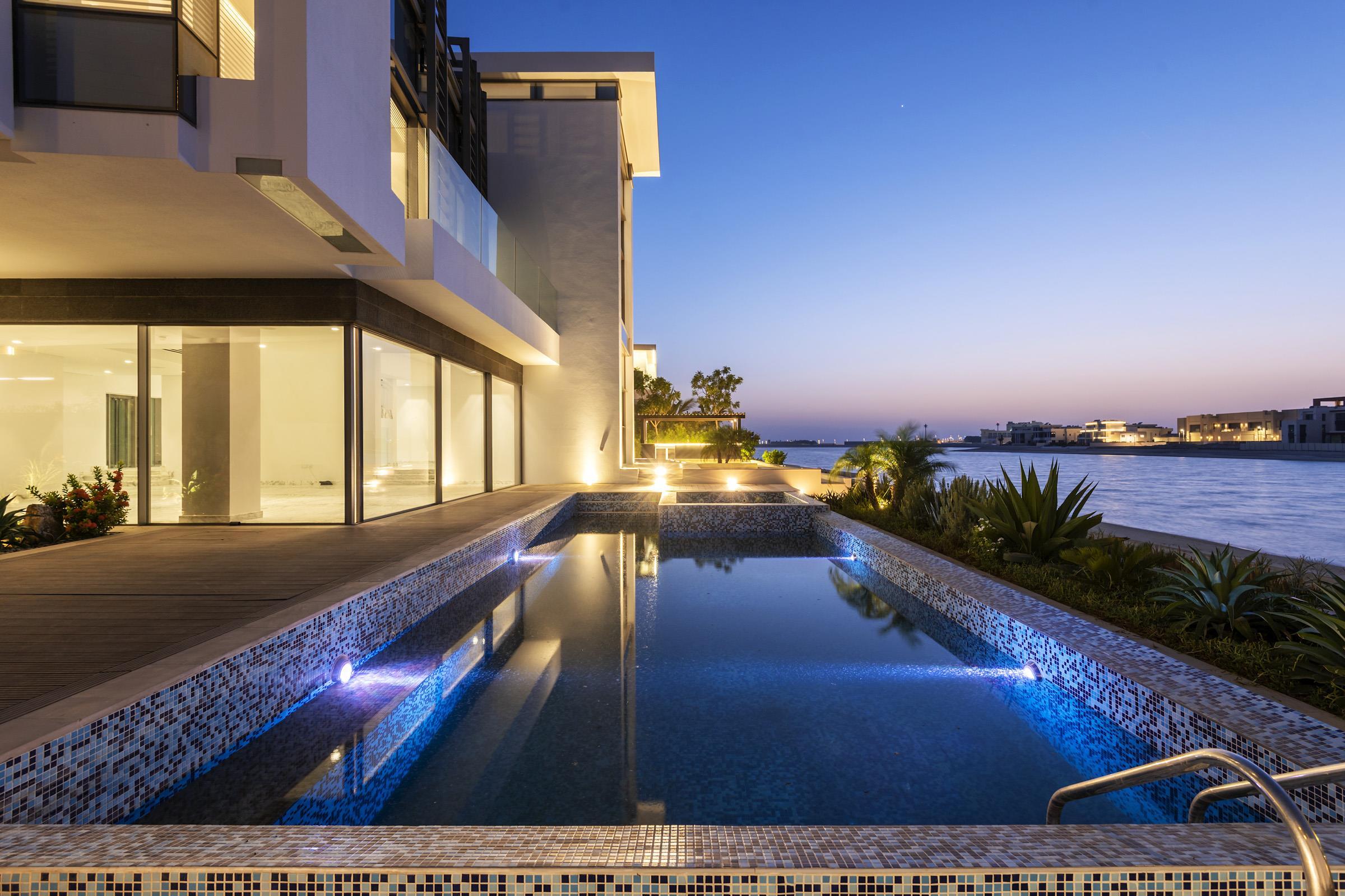 Beach Villa with Atlantis & Sunset View