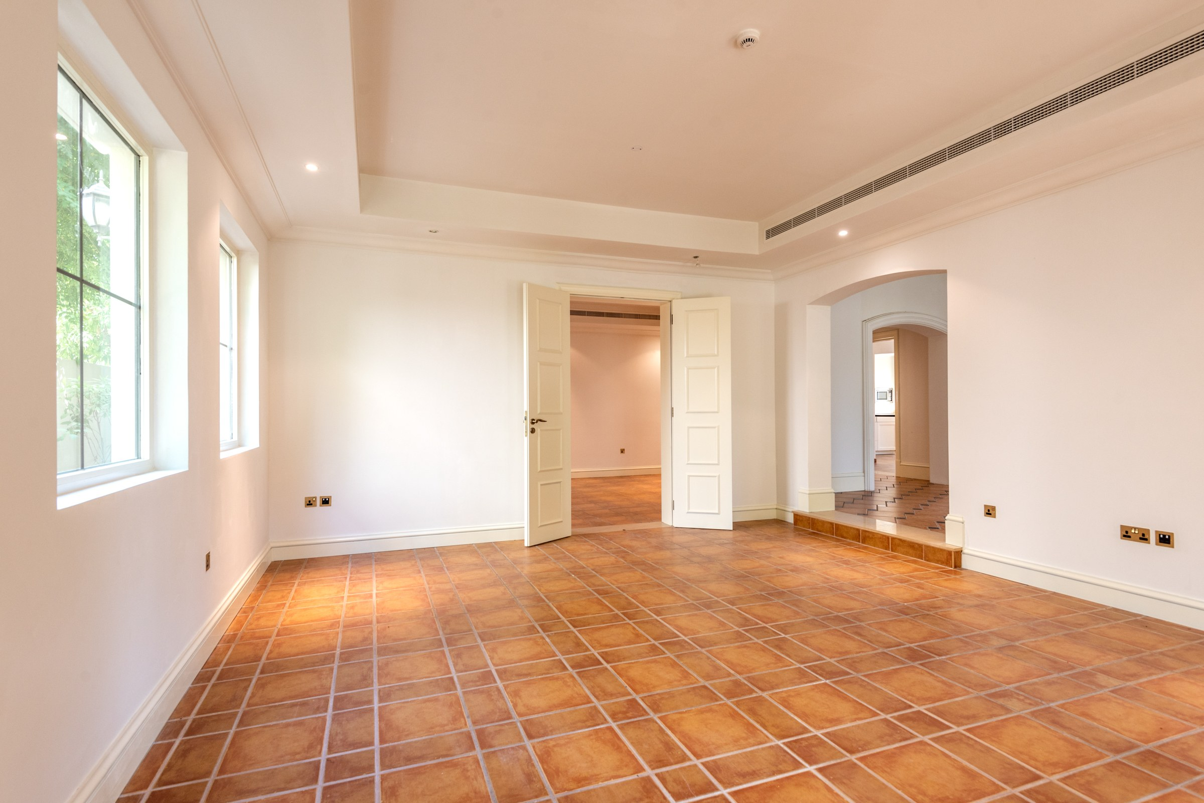 Vacant 5 BR Girona | Golf View Landscaped