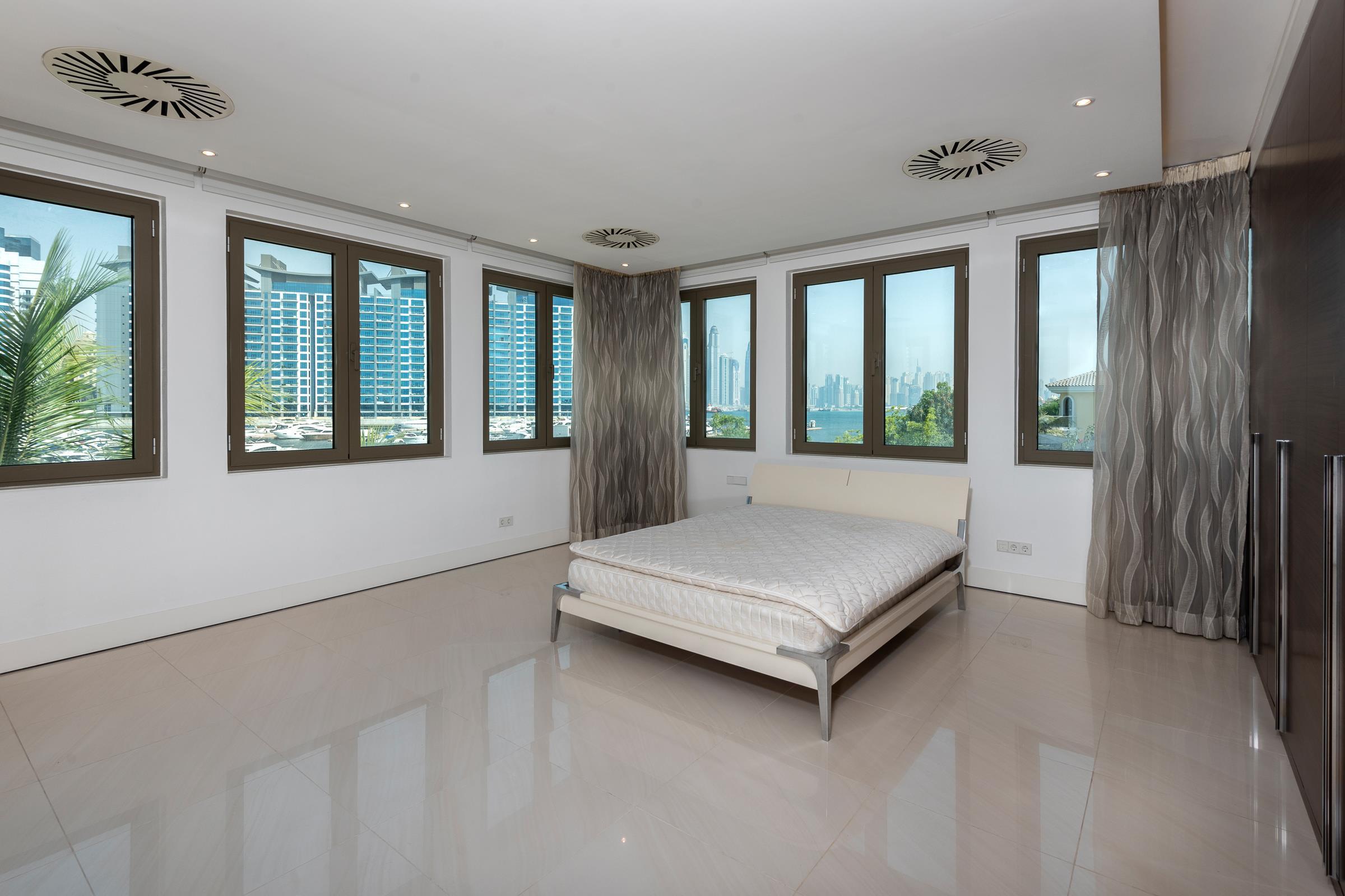 6 Bed Room Signature Villa