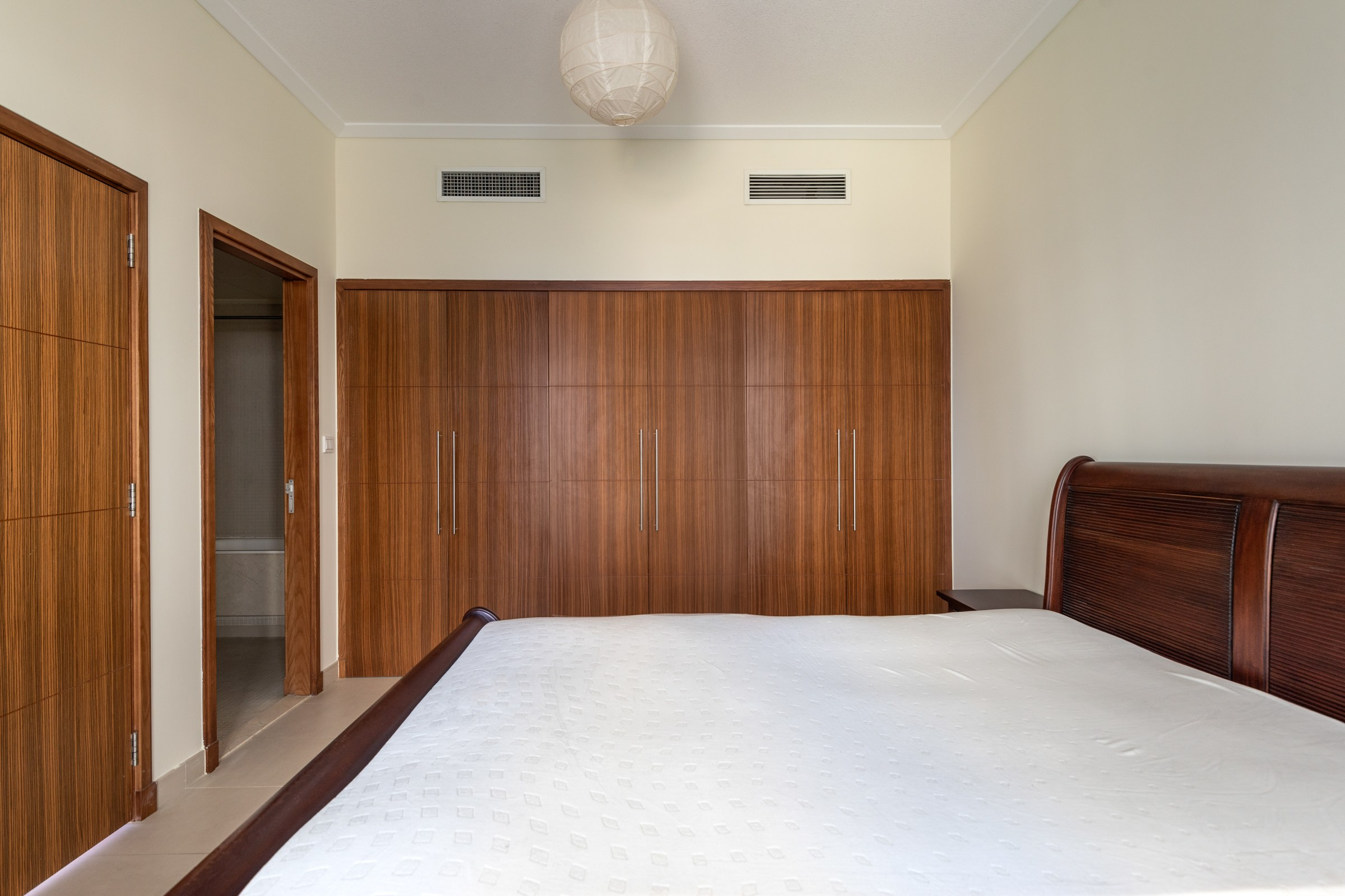 Exclusive   Well Furnished  1 Bedroom