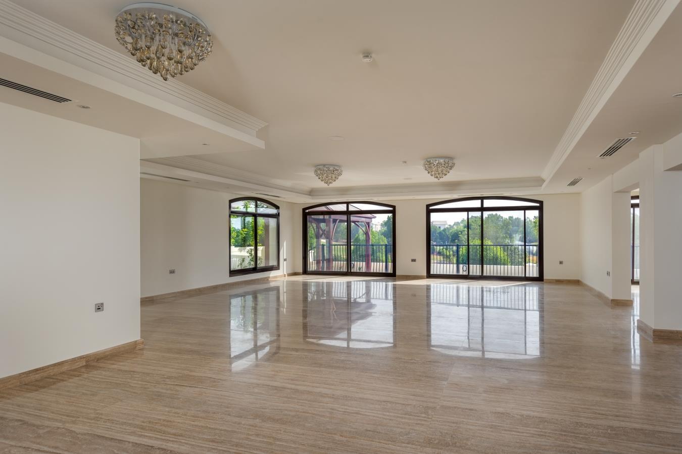 Large 6 Bedroom Custom Villa Earth Course