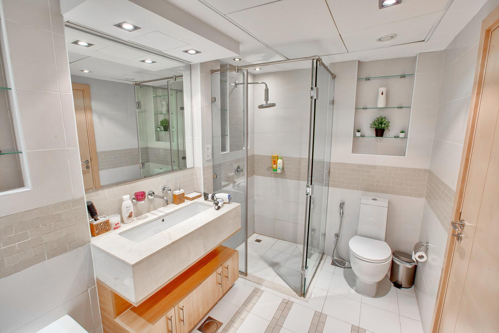 Upgraded | High Floor | Full Marina Views