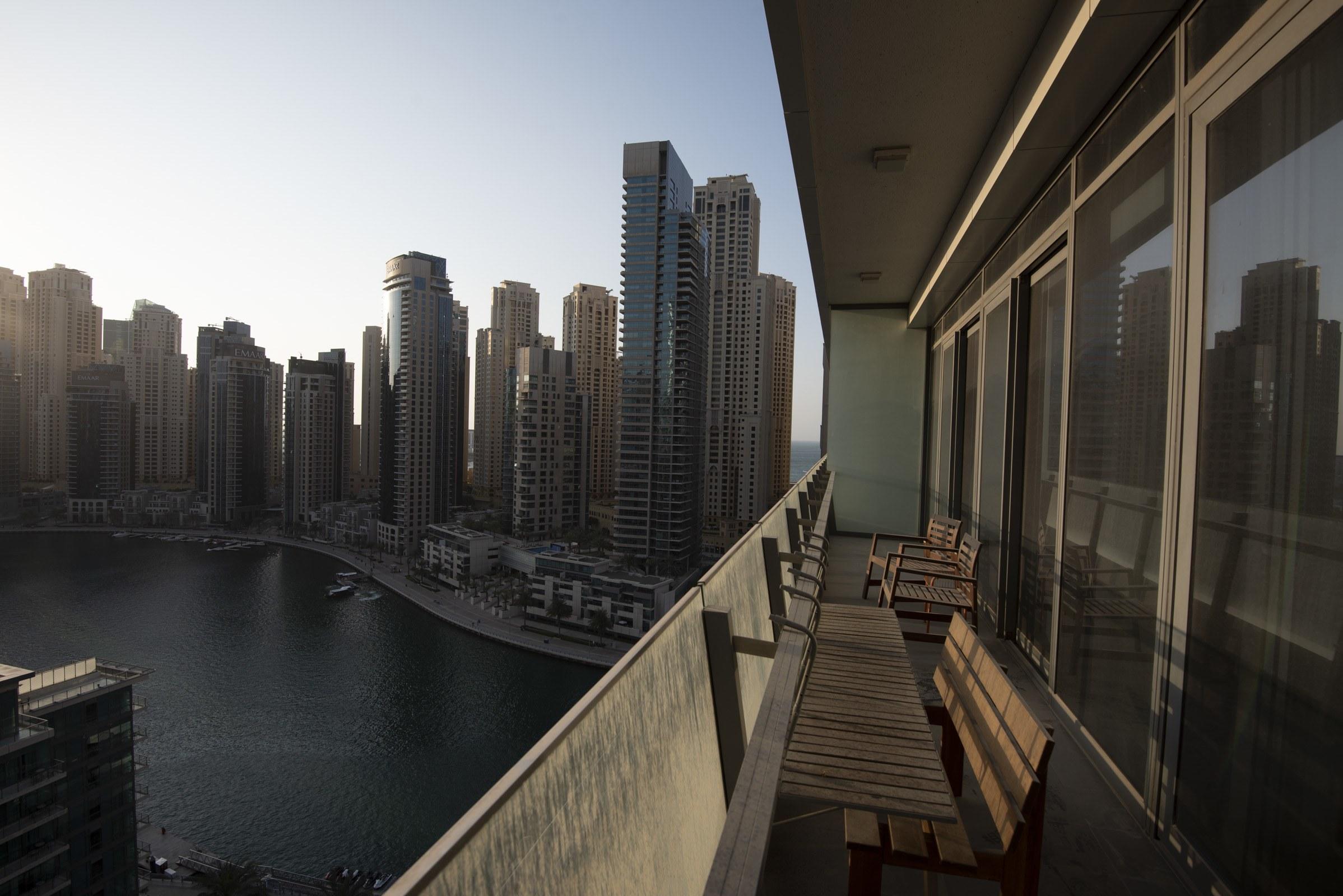 Stunning View Convenient Location Marina
