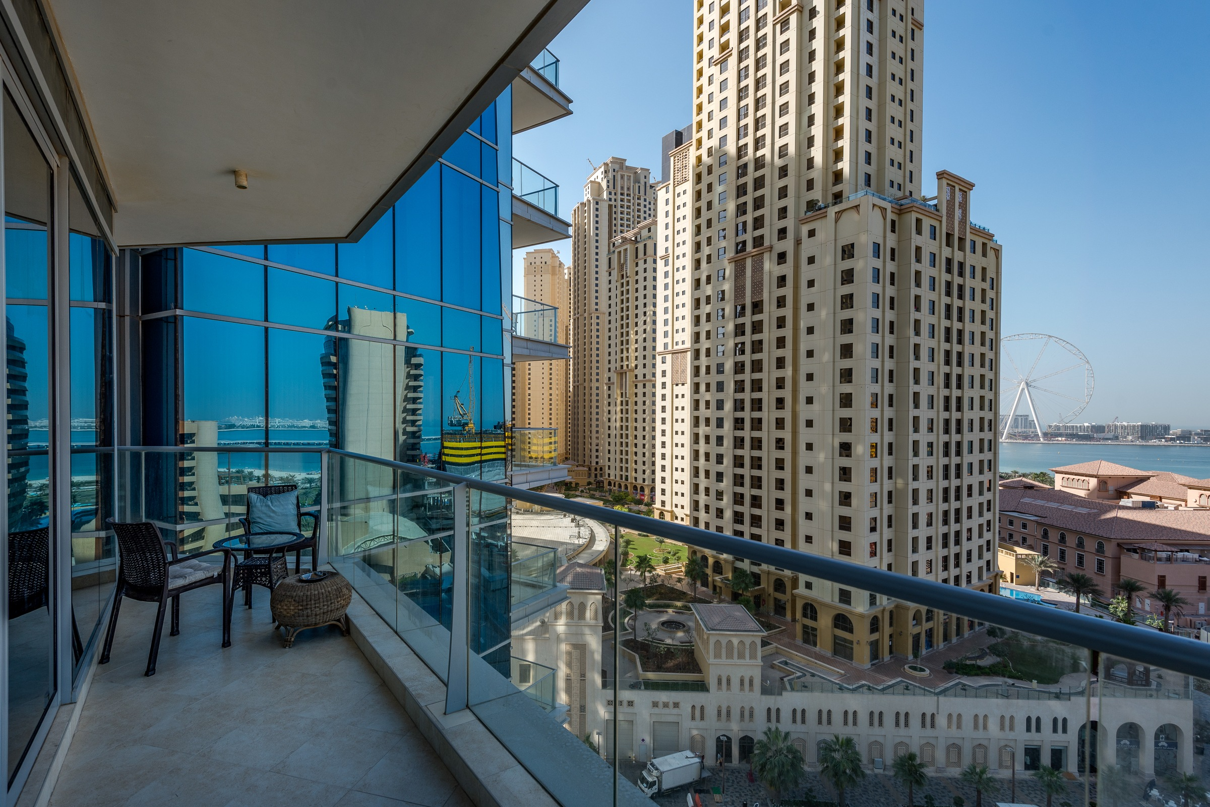 Amazing 2 BR in Trident Grand Residence