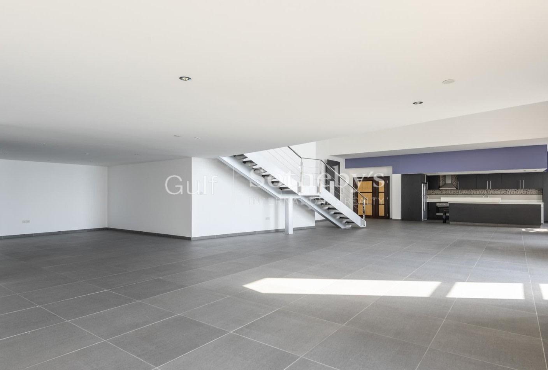 Upgraded Duplex, Bedroom on Mezzanine Level, 180,000